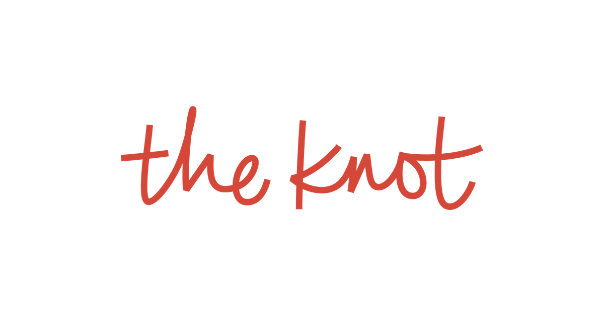 Simply Charming Socials _The Knot Logo.jpg