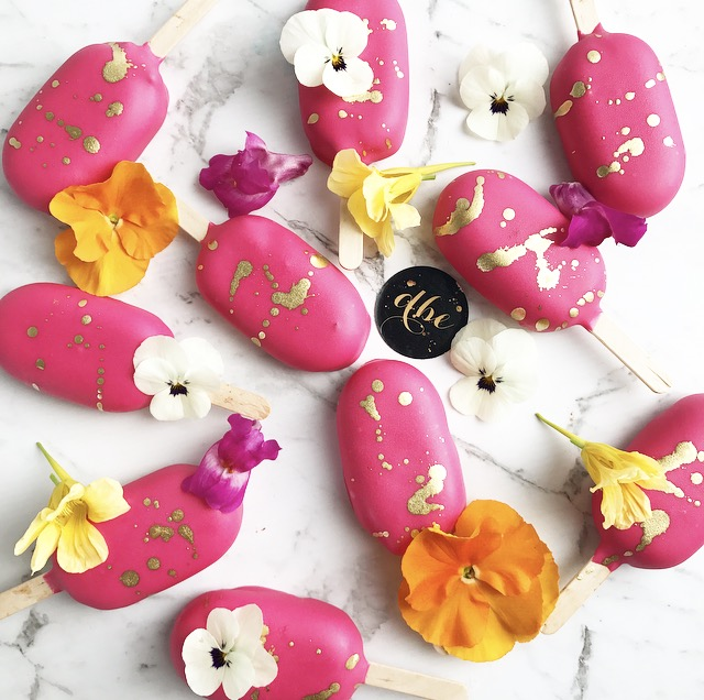 GANACHE POPS OR FUDGE POPS  Flavours Available:  Caramel Fudge or Ganache Pop Flavours  $4.00 each  Minimum Order Quantity : 8   THIS ITEM MAY CONTAIN NUTS