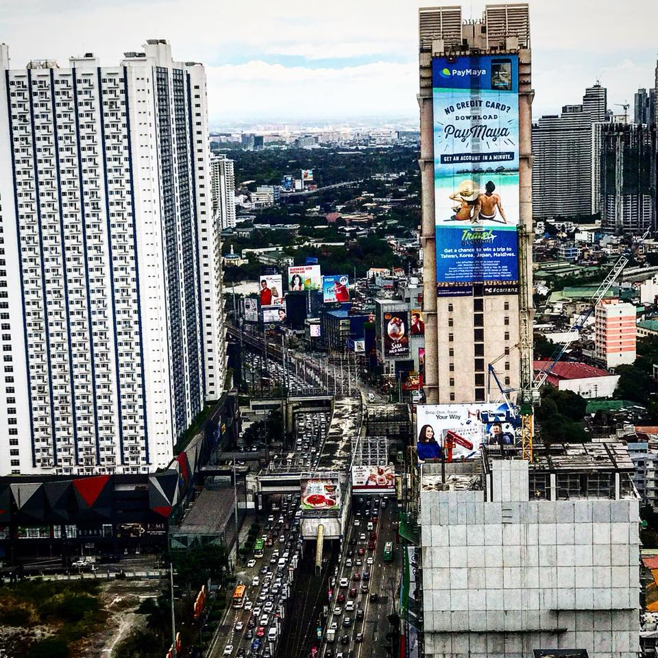 Pay Maya Big EDSA-DOOH-PH.jpg