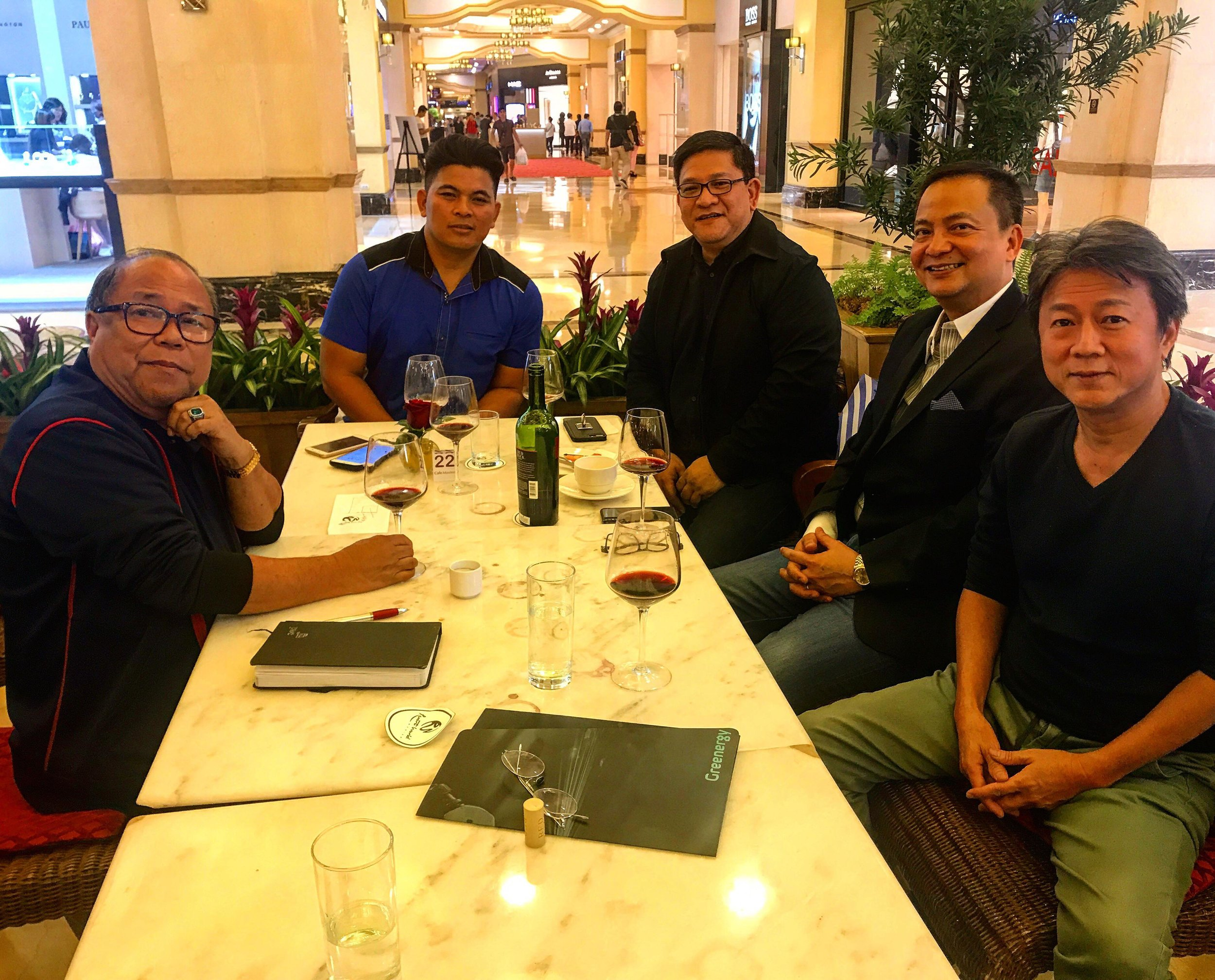 dooh-ph-sales-team-1.jpg