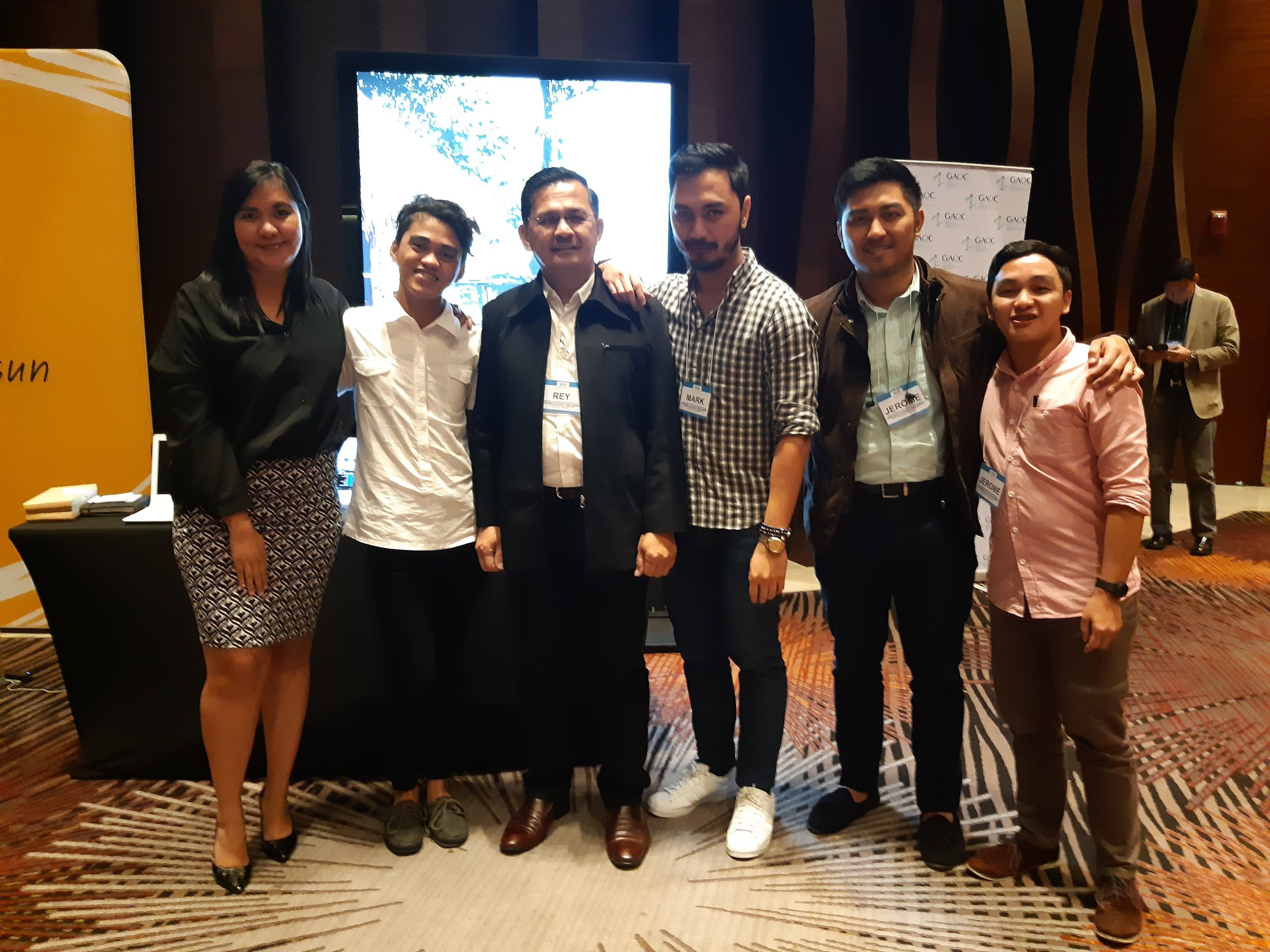 dooh-ph-sales-team-3.jpg
