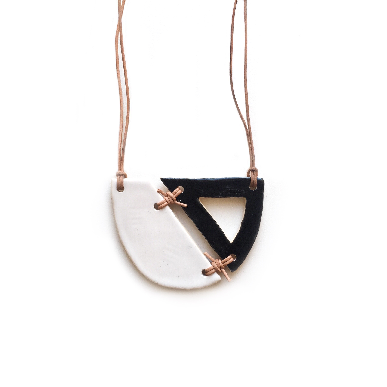 kushins_bw_ceramic_necklace9v2.JPG