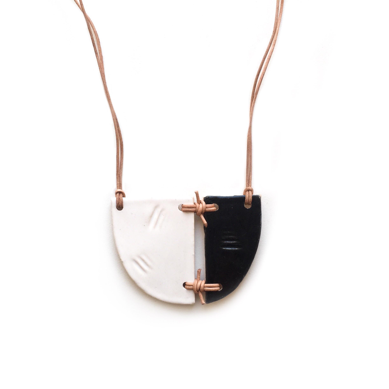 kushins_bw_ceramic_necklace10v2.JPG