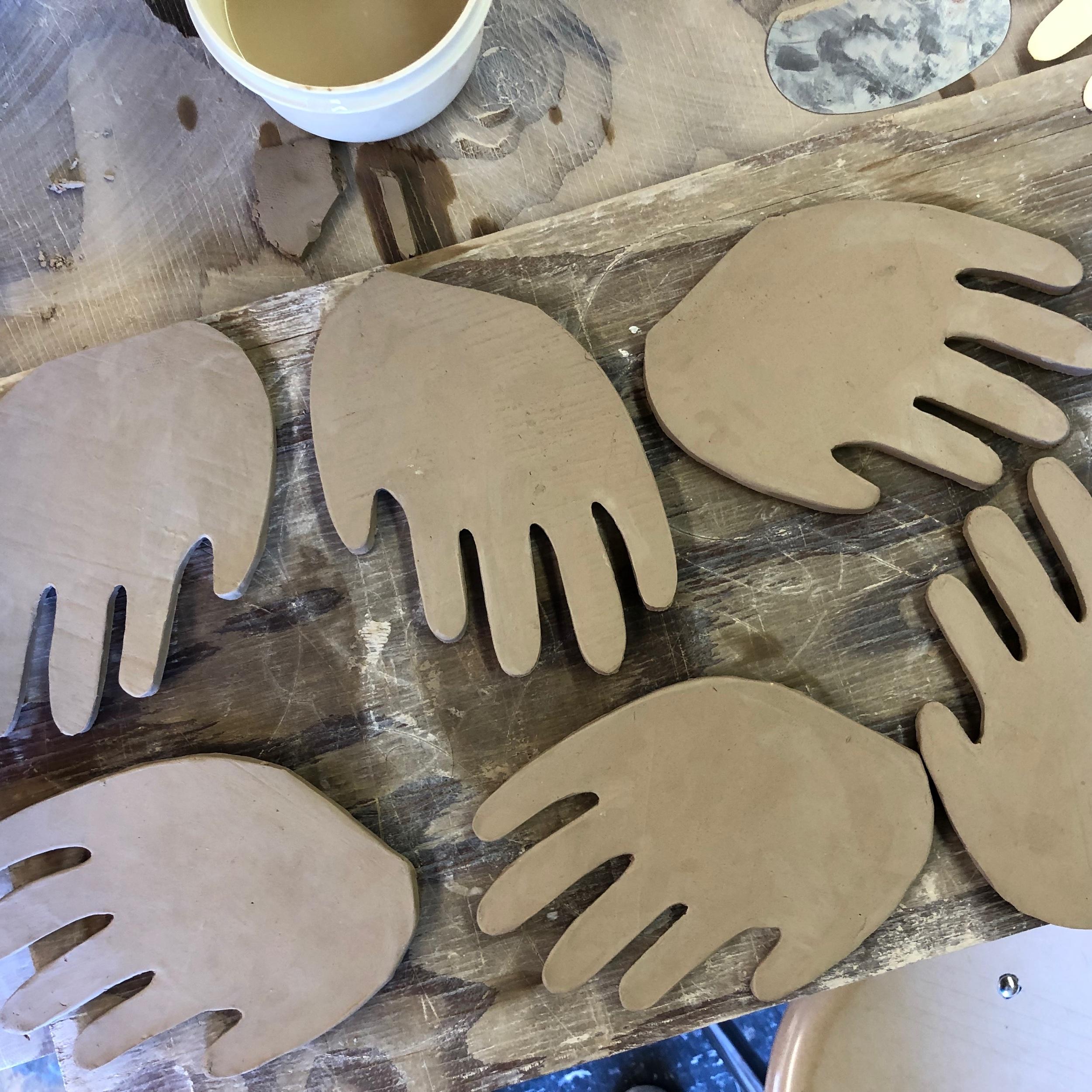 jordan_kushins_ceramic_hands2.jpeg