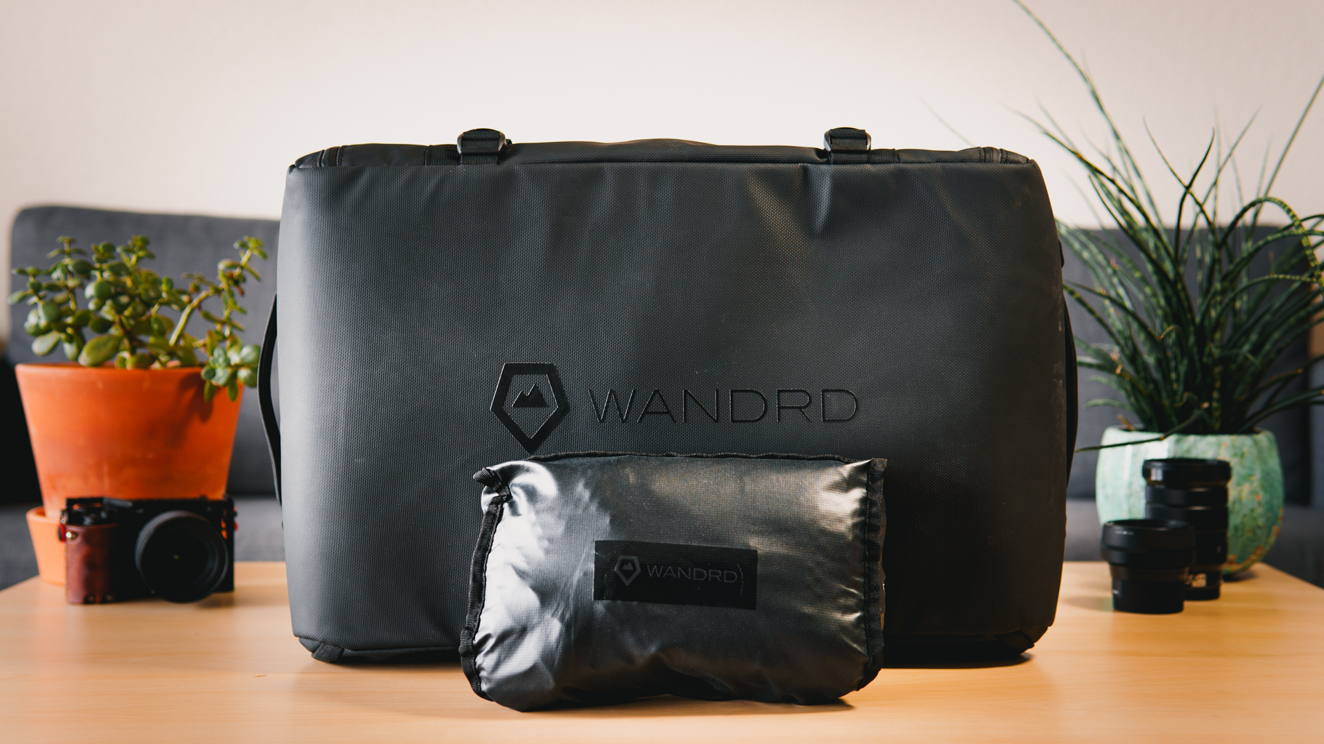 Best Camera Bags For Travel // WANDRD HEXAD Access Duffel & VEER 18L Review