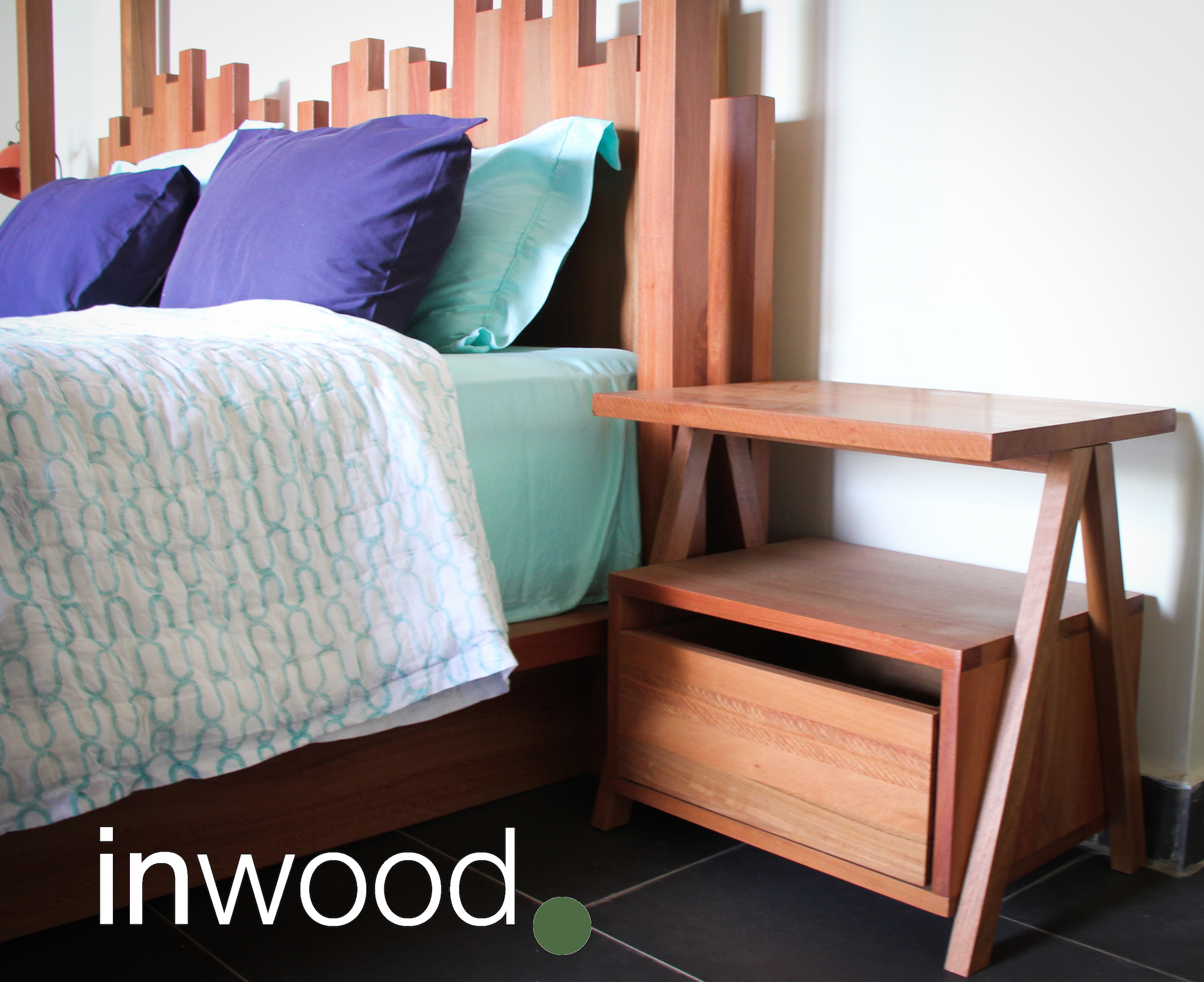Bed & Side Cabinet in red Eucalyptus