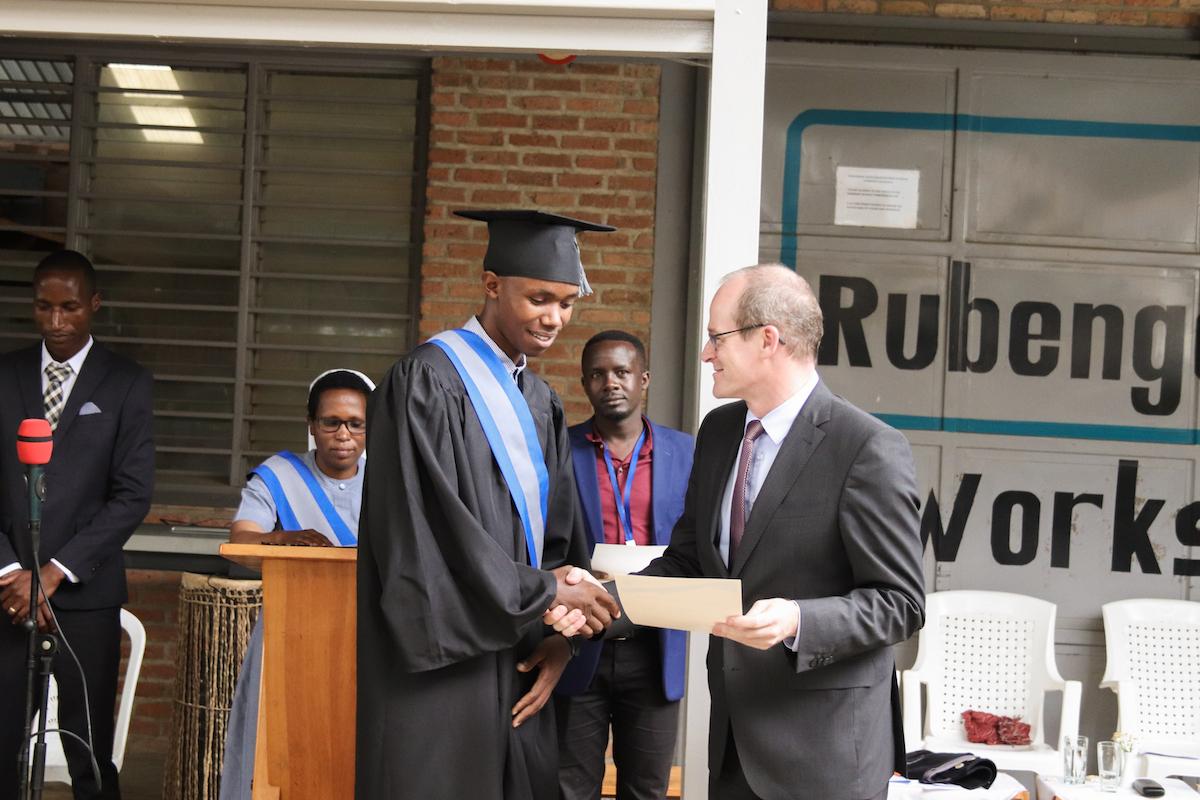 Mathias Schäfer, CEO of Fingerhaus submits a Certificate