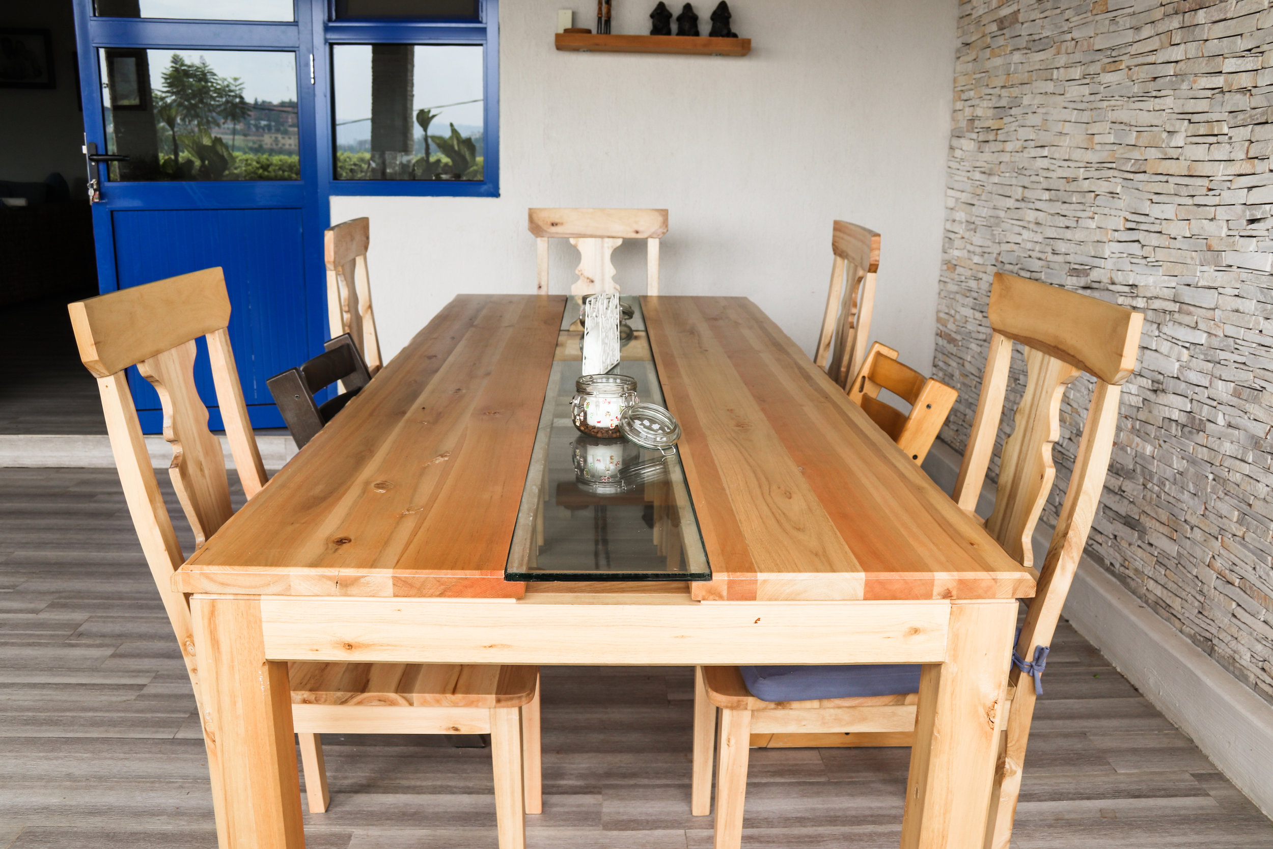 6 Seater dining set in white eucalyptus and glass inray