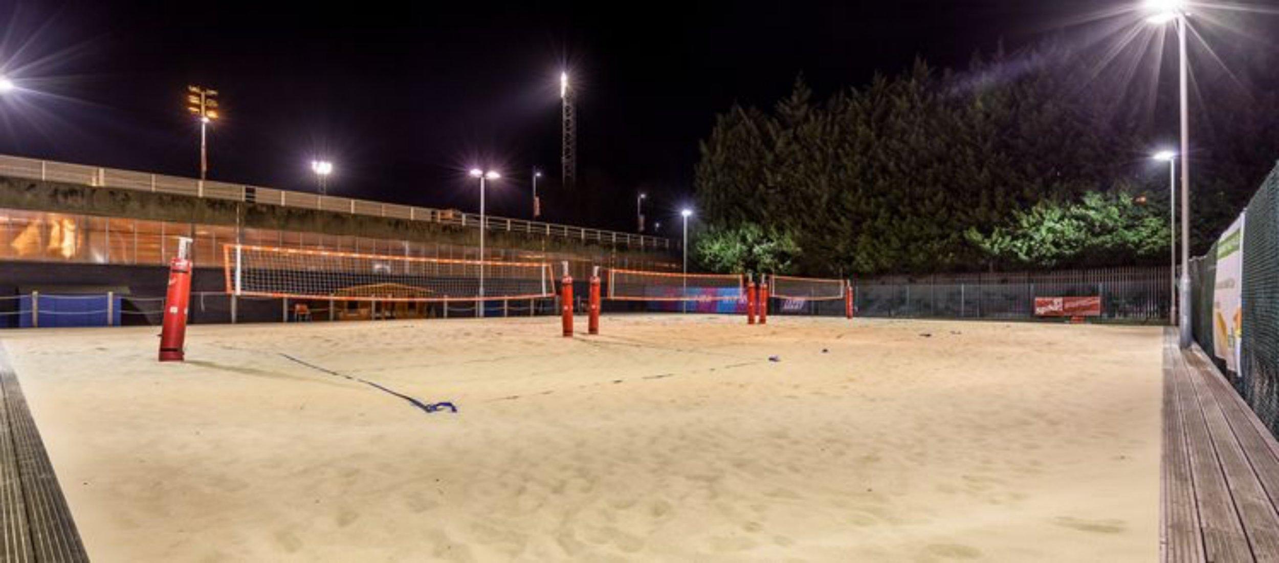 Beach volleyball 2.jpg