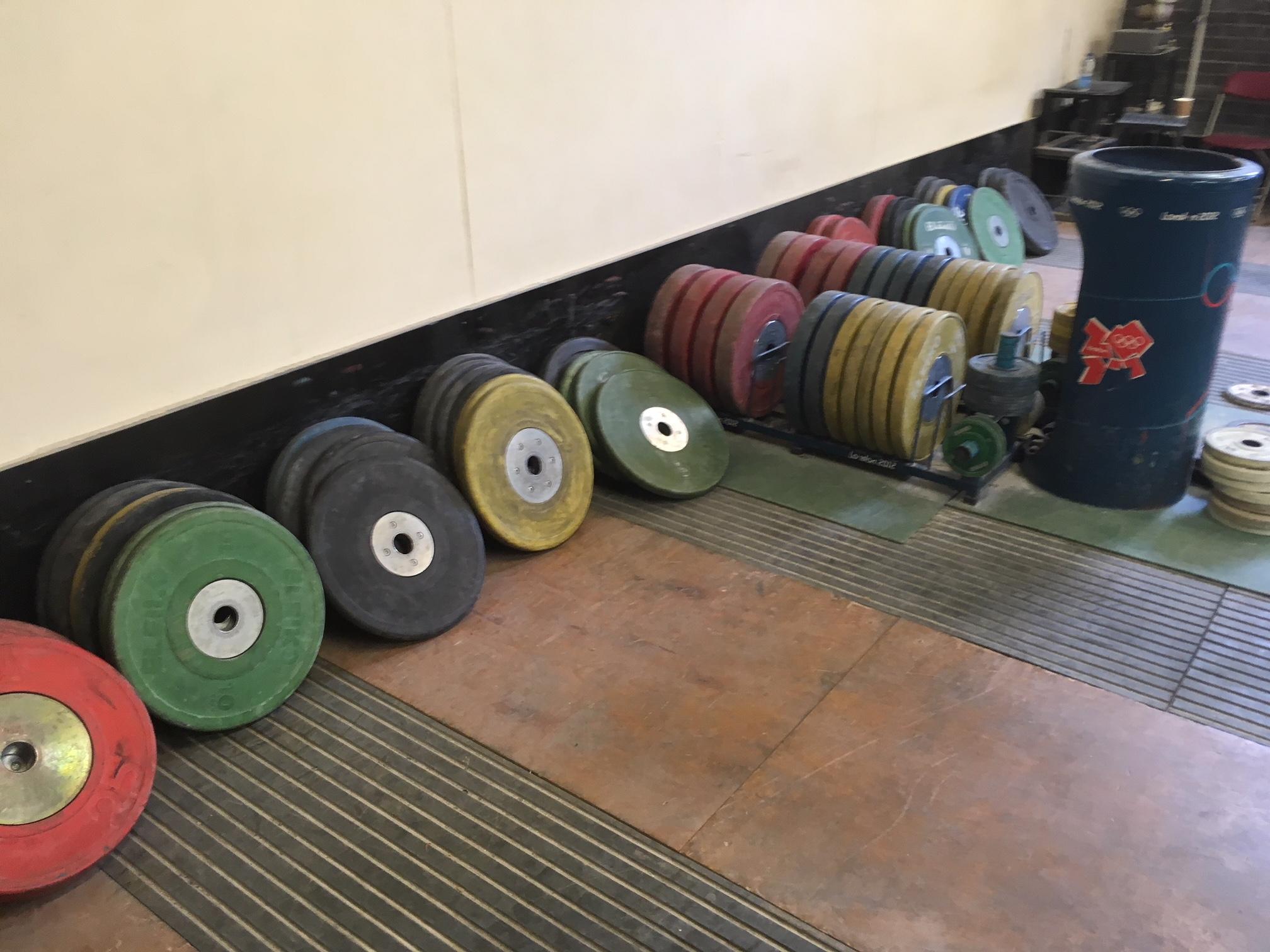 Heavy Weights Gym (3).JPG