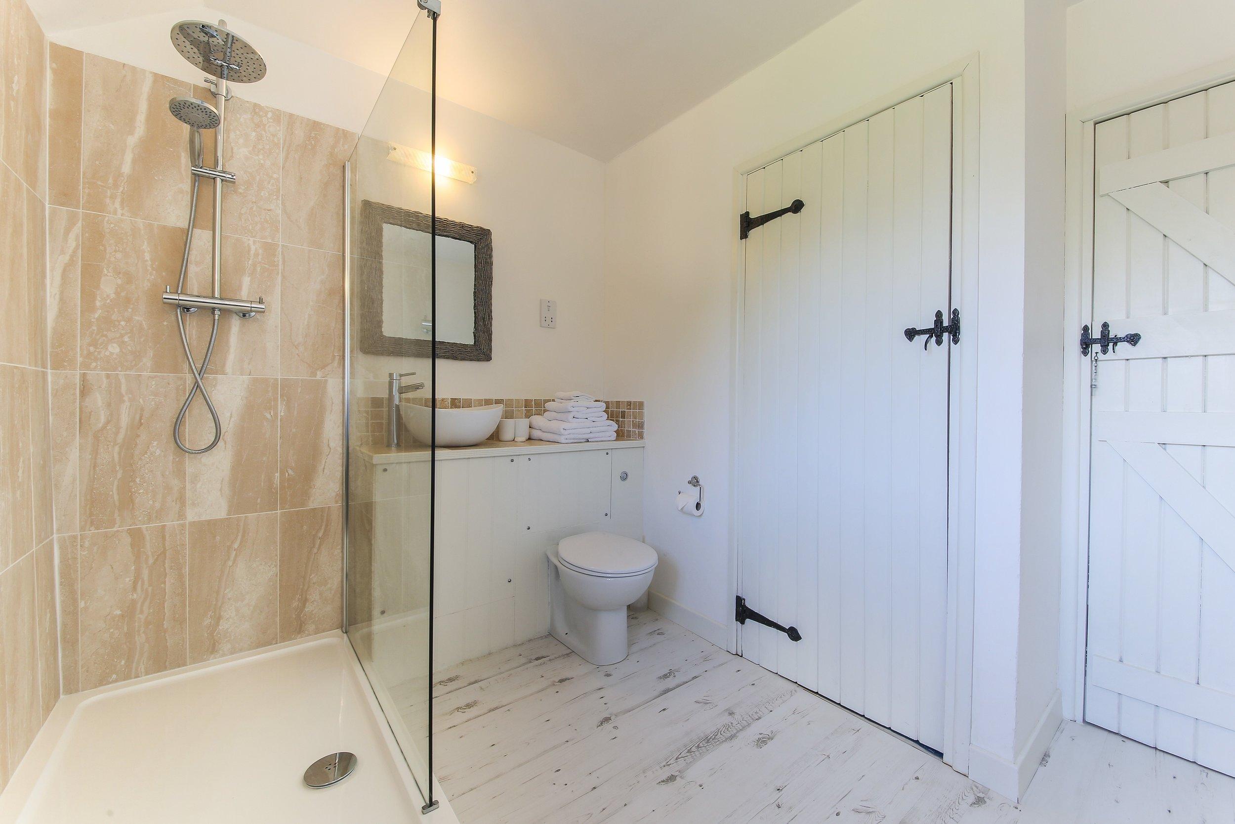 Granary-Bathroom-1.jpg