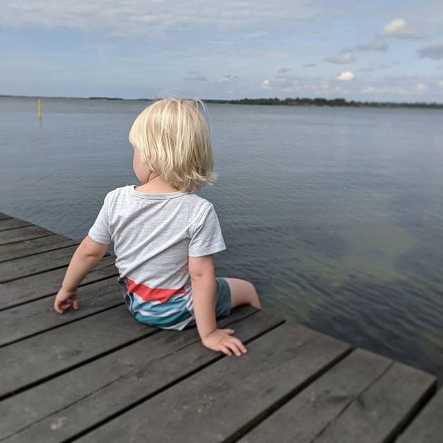 We're on a long family visit to Sweden and it's so much fun showing our little boy how I used to spend my summer holidays. Long days at the beach. Midges. Ice cream. And later hopefully fishing, troll safari and visiting a relative's summer cottage by a lake. Swedish summers are so very short and precious we savour every second the 🌞 is up! How's your summer so far?