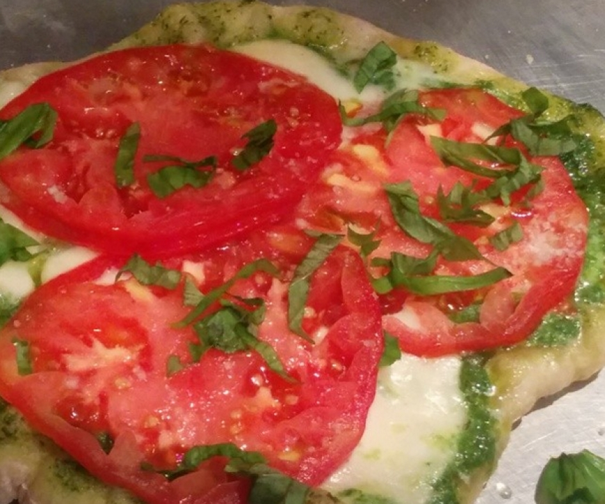 Heirloom Tomato Salad Pizza.jpg