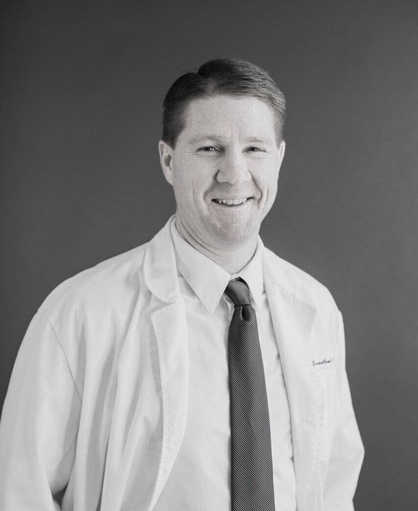 Dr. Broadbent, DPM