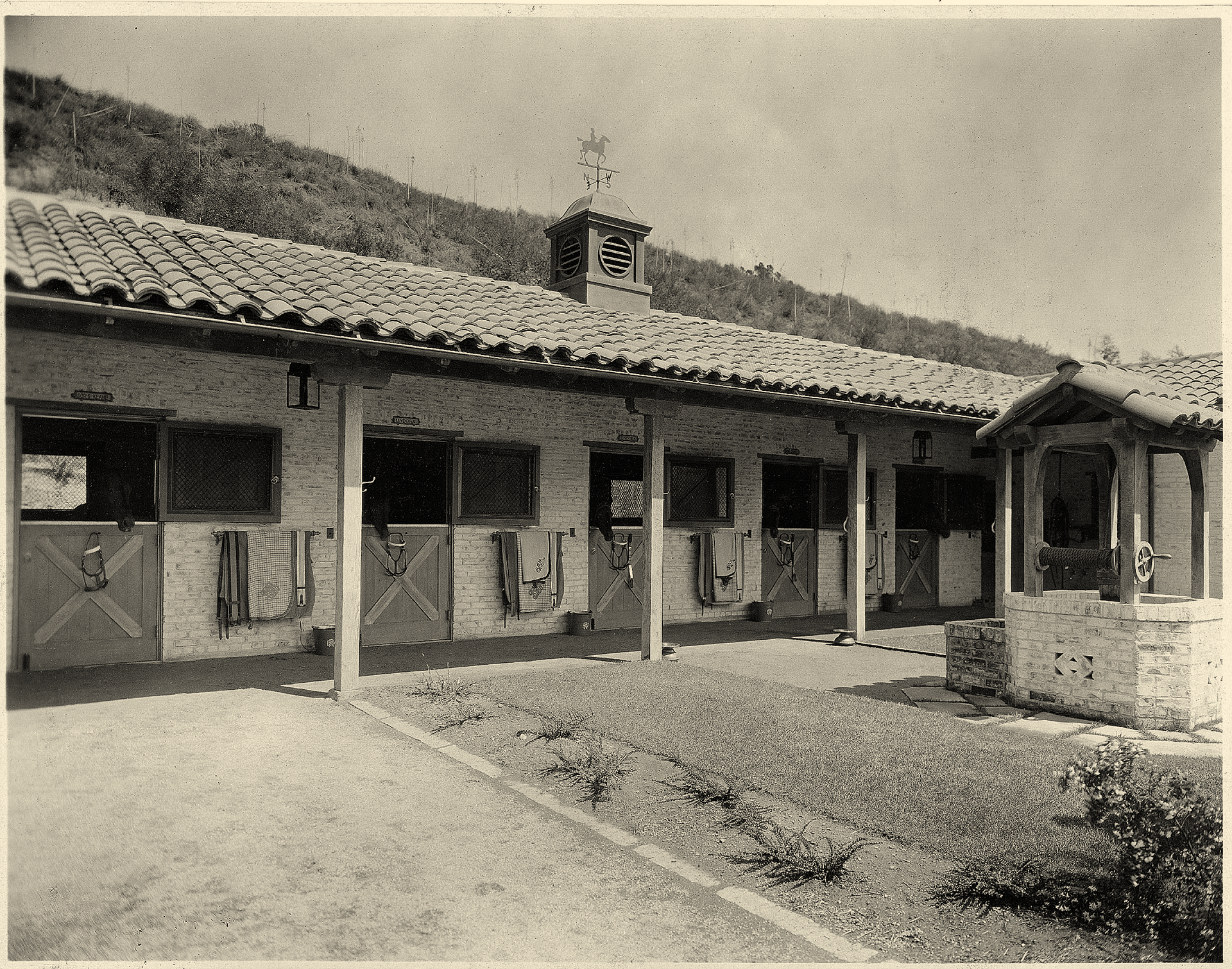 2371.Meyer-Stables.jpg
