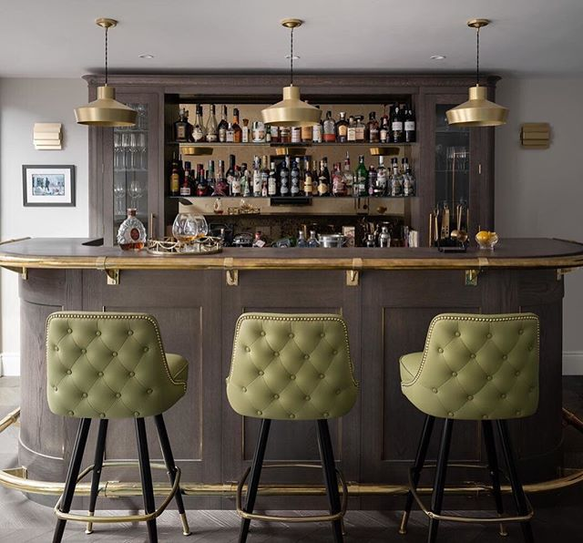 Fantastic shot from photographer members @zacandzac. Those bar stools are pretty sweet too ________________________________________________________  A one-point shot of an incredible bar designed by @harriethughesinteriordesign  ________________________________________________________  #ZACandZAC #interiordesign #interiorphotography #thecliquelifestyle #theclique #onlineresource #interiorscommunity