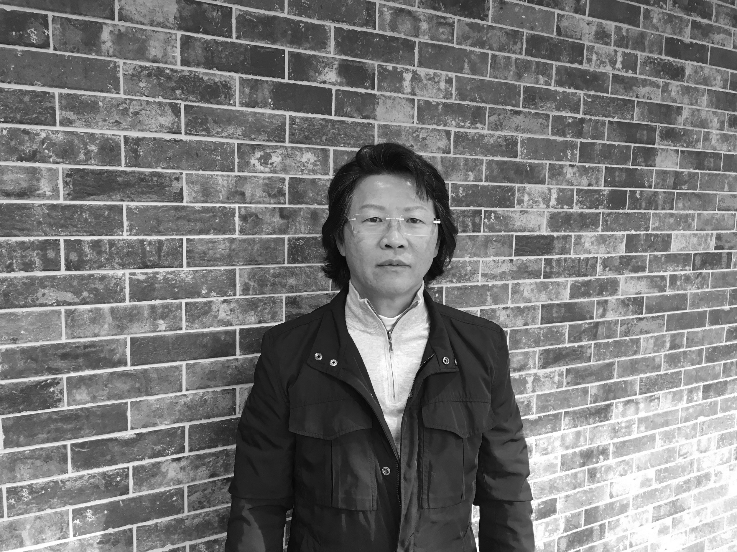 Robert Kim - Senior Architect & Project Designer – Mr. Kim graduated from Iowa State University in 1987 with a Bachelor of Architecture and is licensed in the State of Illinois and a current member of ALA. He has over 31 years of experience in design and management, for full service hotels, office complex, skilled nursing, assisted living, congregate living facilities and senior living facilities.