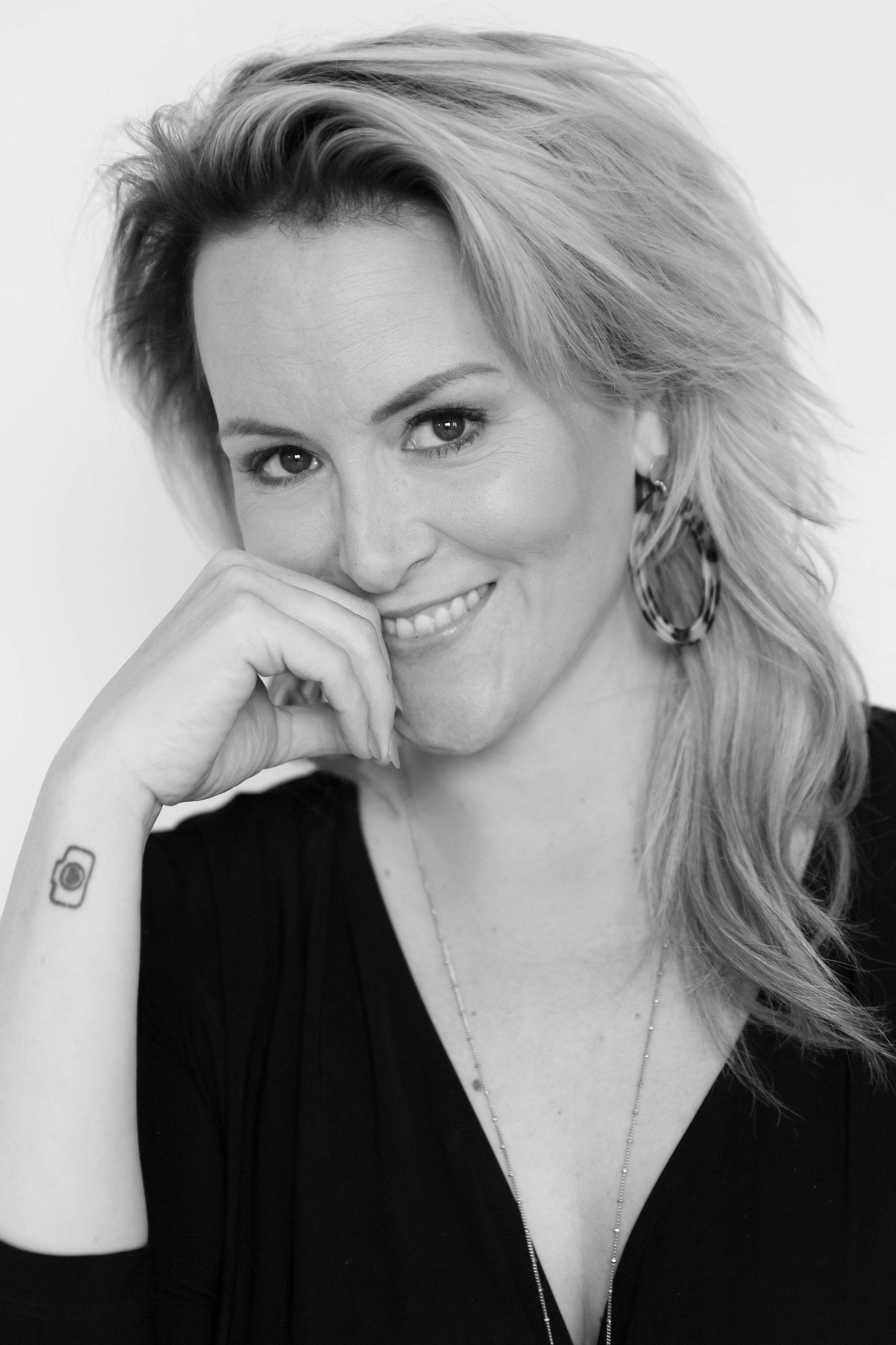 Kim Holterman - Ik wil vrouwen laten zien en voelen hoe mooi ze zijn. Hoe ongelooflijk krachtig ze zijn en hoe belangrijk het is dat er foto's van ze gemaakt wordt. Voor nu en voor later.Want op een dag gaan ze op zoek naar foto's van jou