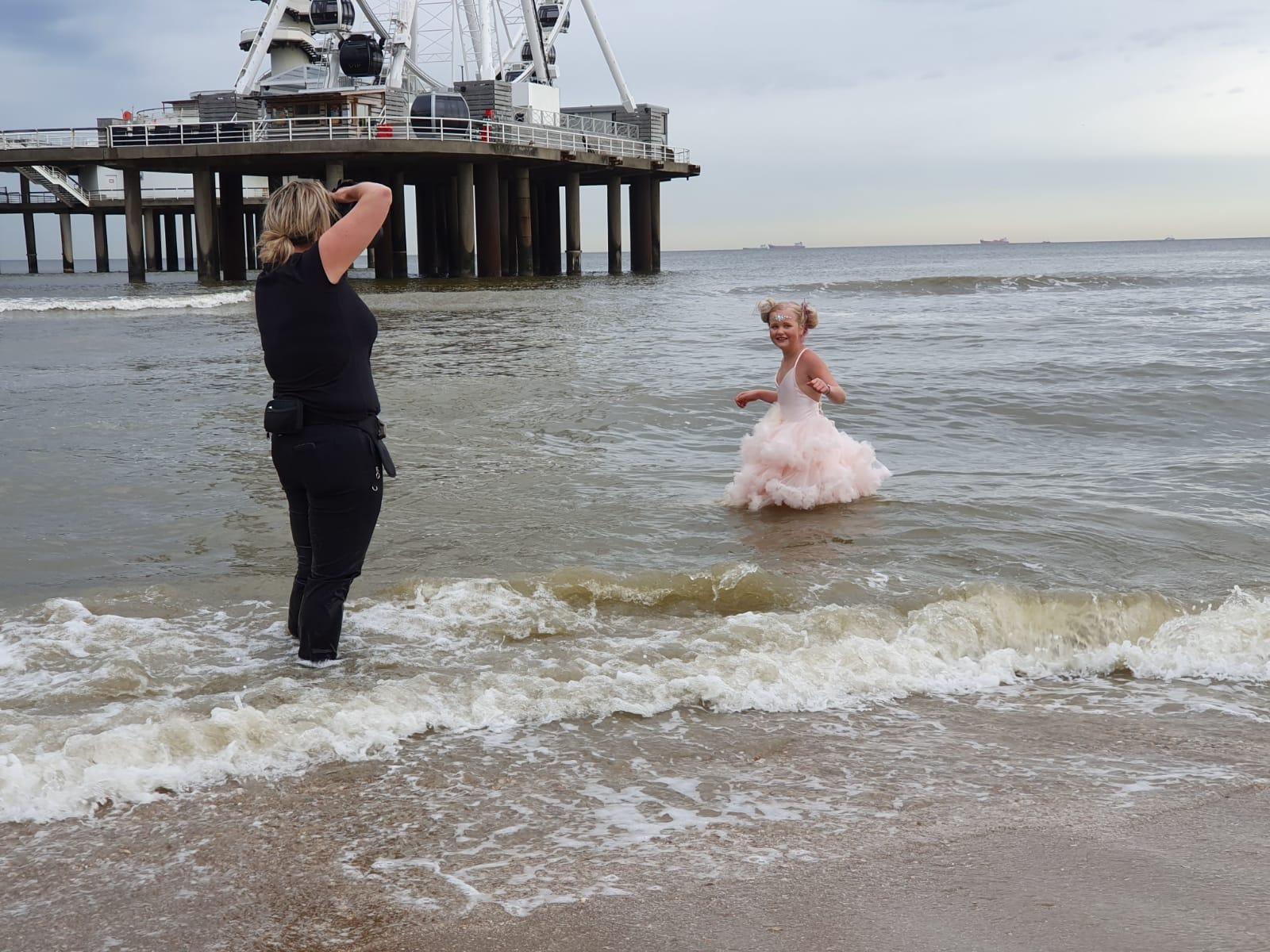 boudoir fotograaf Nederland zwolle training workshop fotograaf sensueel empowerment scheveningen pier strand beach