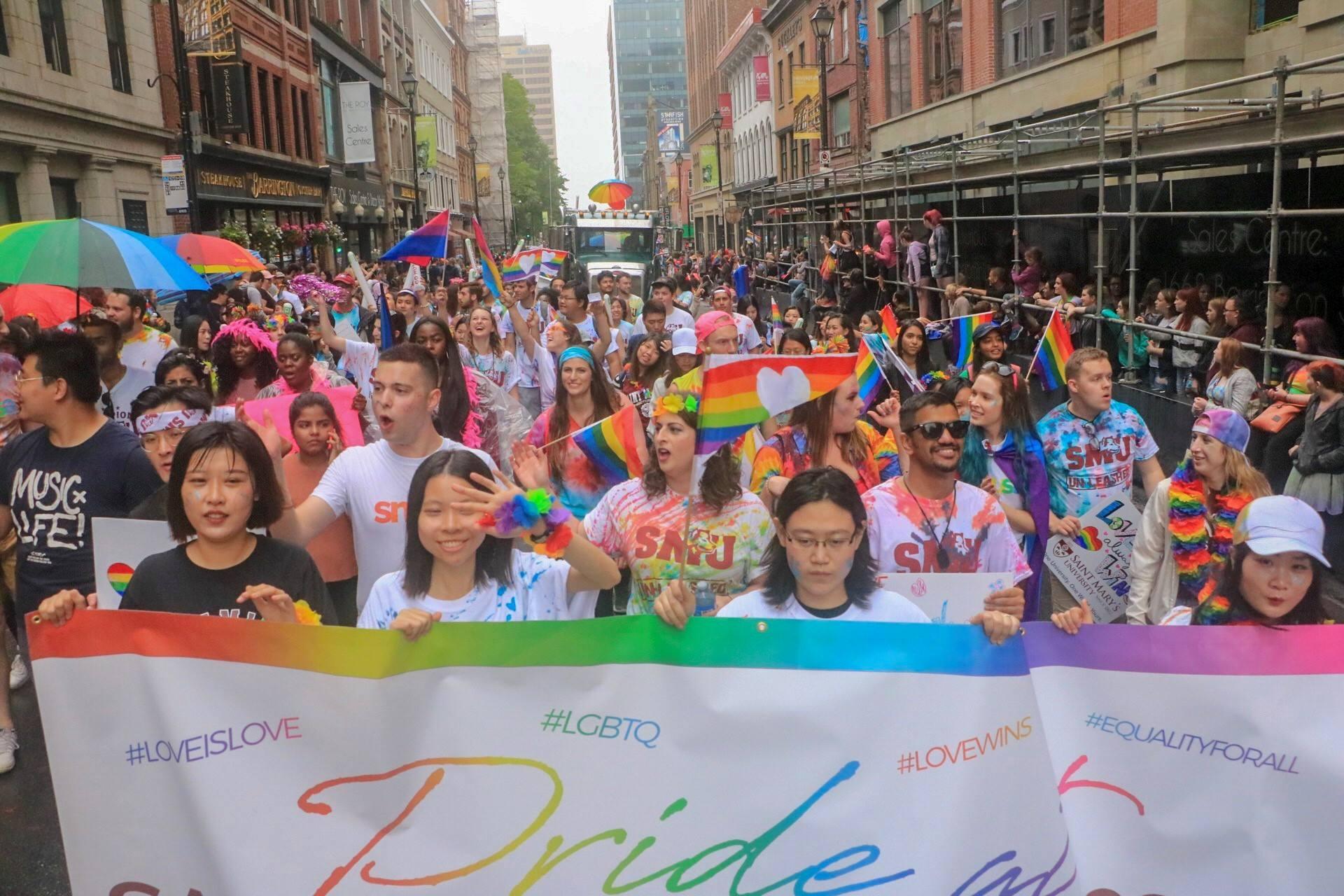 pride crowd 1.jpg