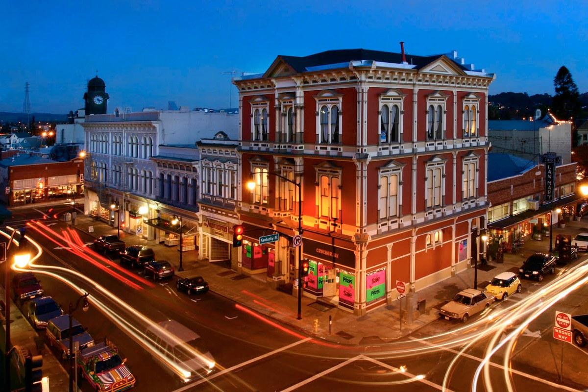 downtown_petaluma.jpg