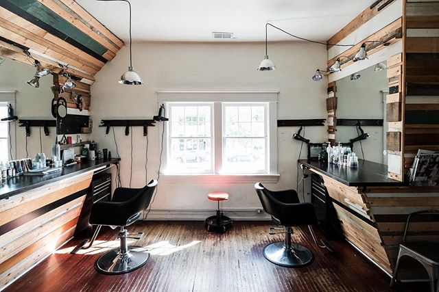Circling back to our original space, this is Local Honey Belmont. It's got a great creative vibe in a charming old house. This is upstairs, downstairs is a bit different but with just as much character. Photo by @misosati . . . #youareok #localhoneynashville #nashvillestylist #nashvillehairstylist #birminghamhairstylist #atlantahairstylists #louisvillehairstylist #saloninteriors #oribeobsessed #randco