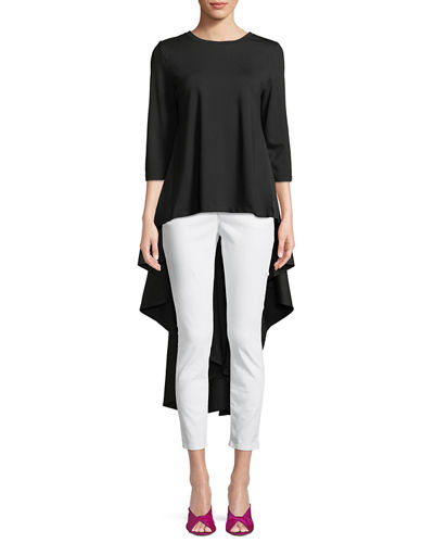 Let's talk about this! I knew when I ordered this, it was going to a disaster or a home run!!! I am happy to report, it's the later! I love this top! So dramatic! And do I have to tell you Lady Benton loves dramatic? -