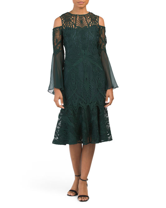 This dress reminds me so much of Downton Abbey. If it was long, or ankle length it would fit right in. The color is gorgeous and the detail on this dress is fantastic.