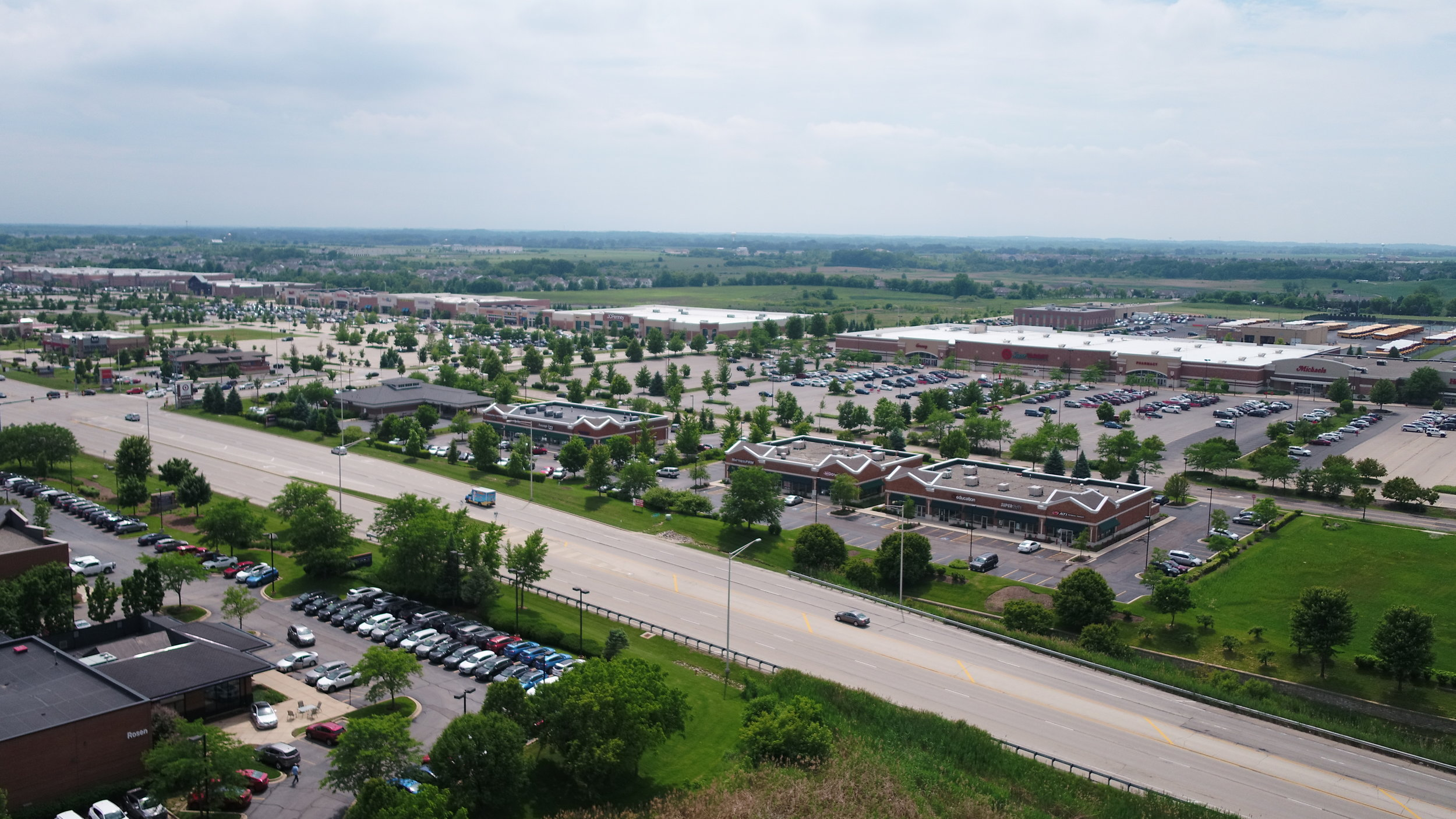 RANDALL ROAD RETAIL CORRIDOR - Known as the premier shopping district in the Northwest suburbs, the Randall Road Corridor provides visitors and residents with high-quality retail experiences thanks to its consistent growth and high traffic count.