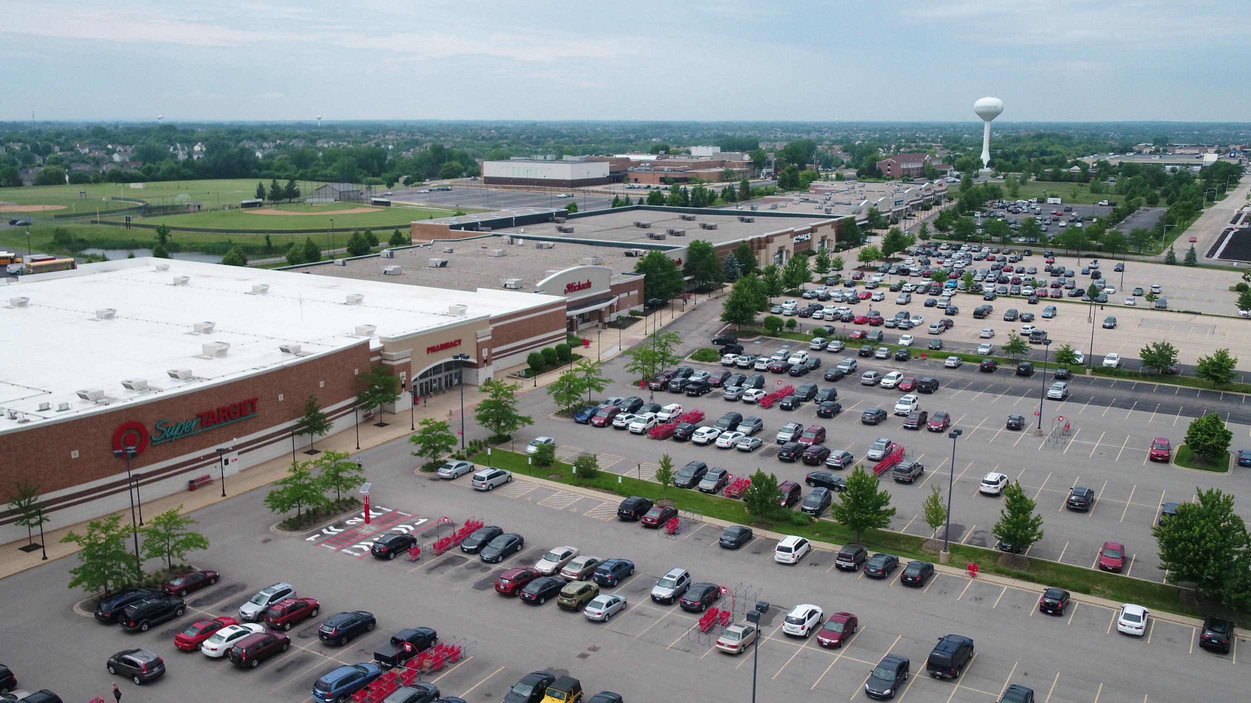 Located along the Fox River, less than 35 miles from Chicago O'Hare International Airport, just north of Interstate 90, Algonquin offers multiple investment opportunities: -