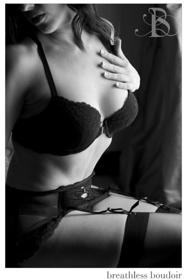 what_to_wear_boudoir_lingerie_garter_stockings