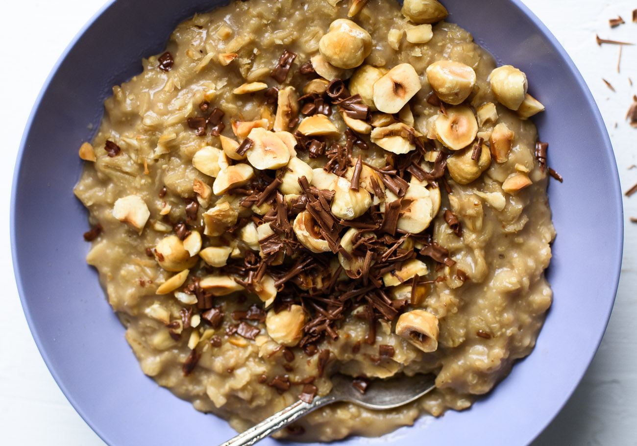 COFFEE OATMEAL WITH CHOCOLATE AND HAZELNUTS  by The New Baguette