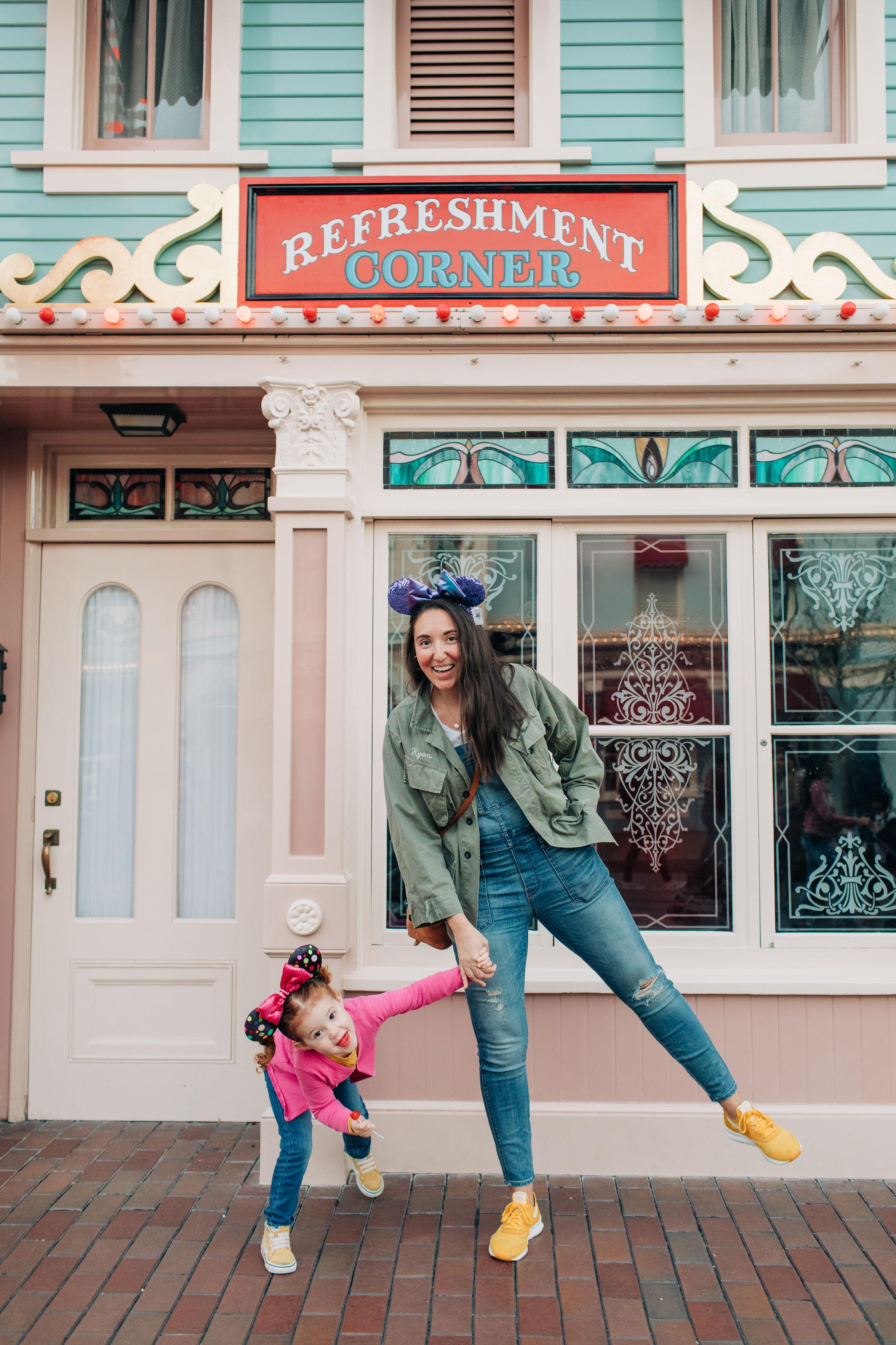Baby_Boy_Bakery_Disneyland_LilyRoPhotography-7458.jpg