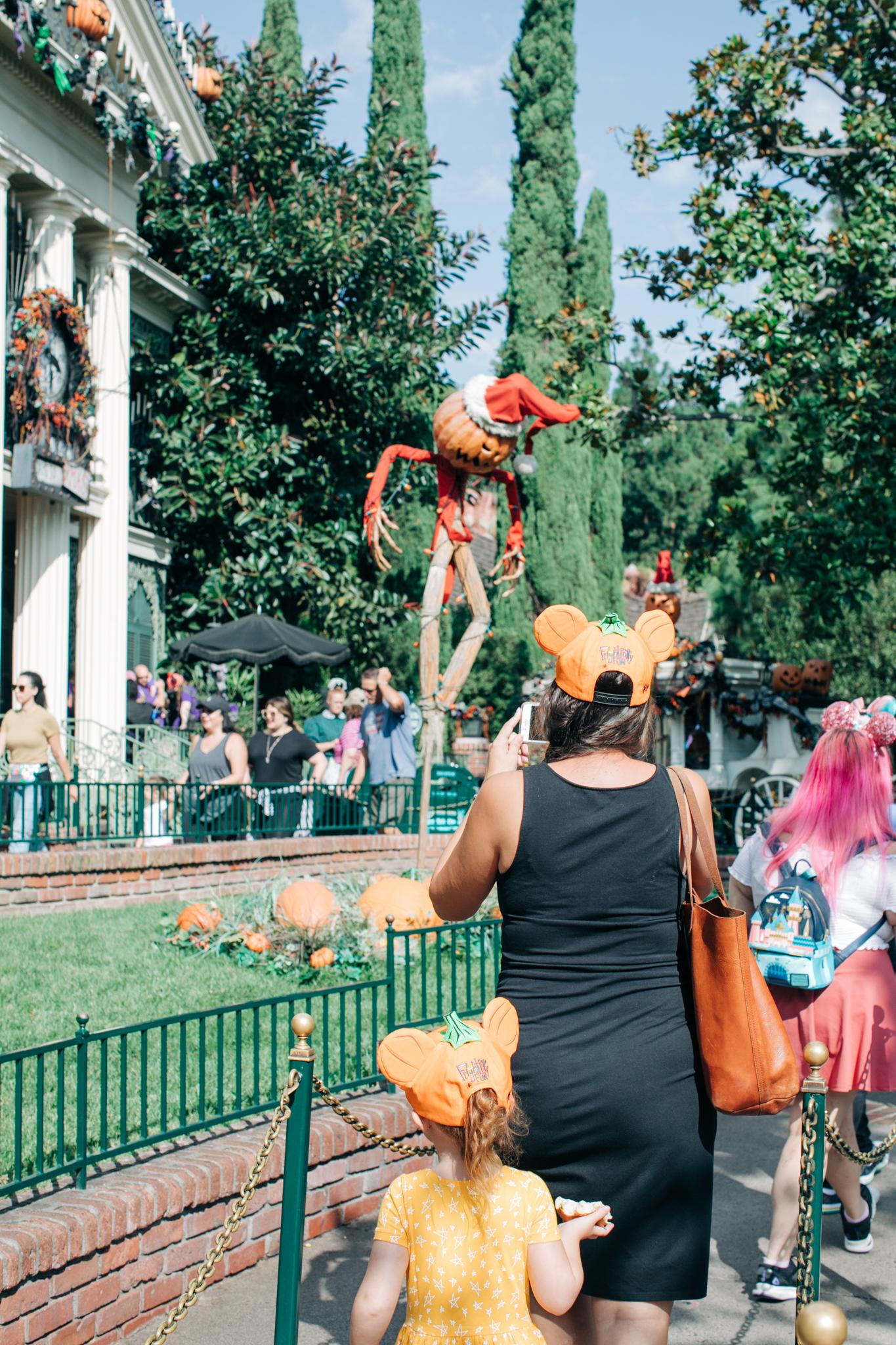 BabyBoyBakery_Disneyland_LilyRo-29.jpg