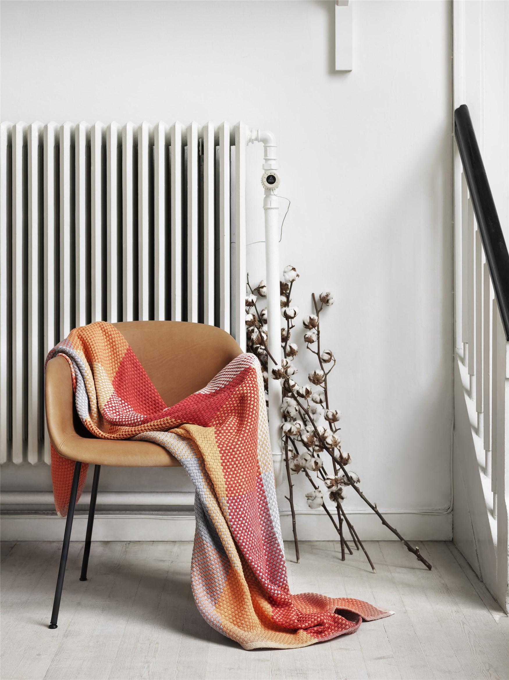 Loom tangerine_fibre chair_mid_(150).jpg