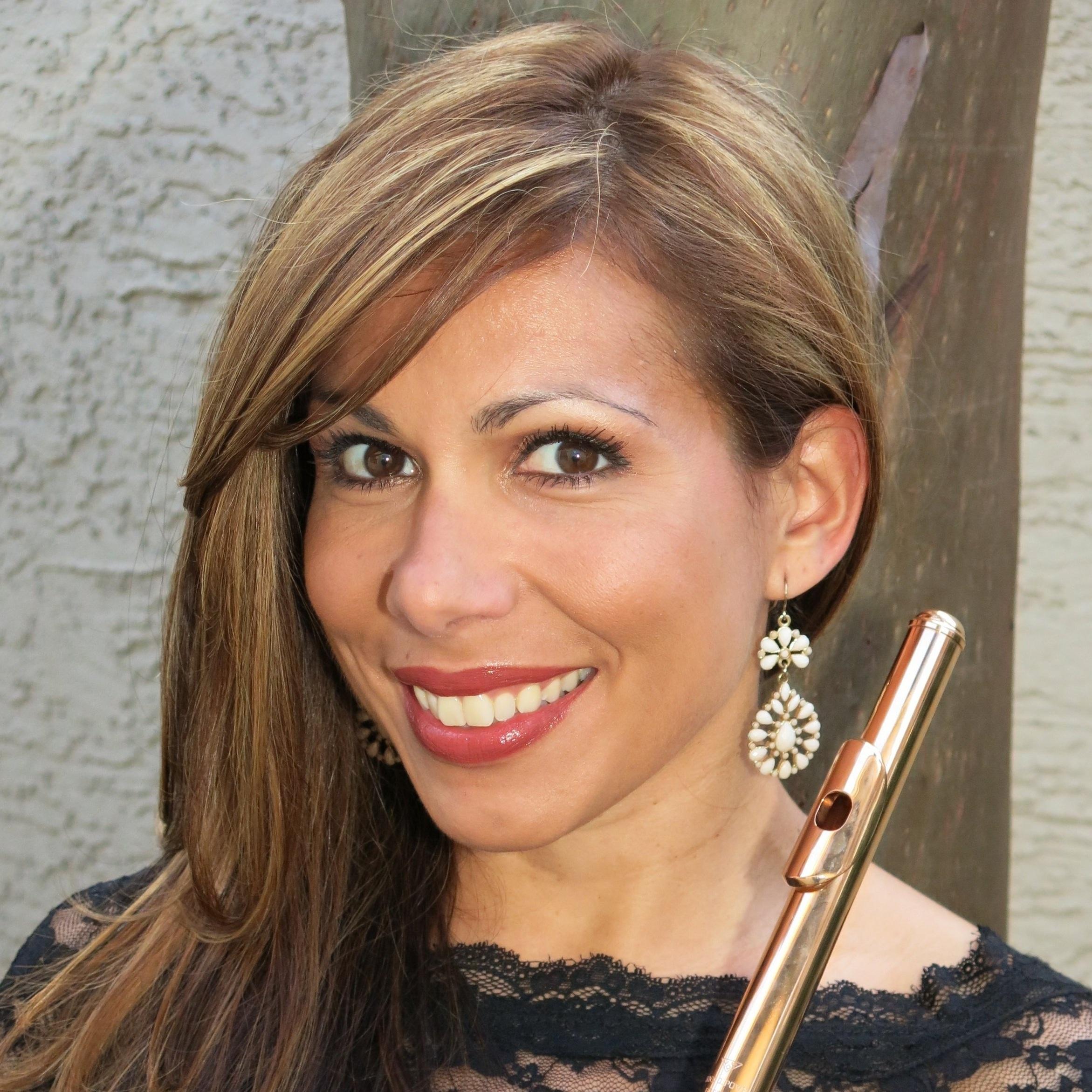 Viviana Cumplido Wilson, Flute
