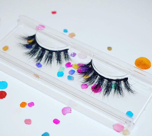 "💓CHULA 💓⠀ ⠀ Compra las tuyas hoy ⠀ ⠀ Shop our handcrafted luxurious lashes⠀ Reusable up to 25 times! ⠀ Www.vidacosmeticsshop.com⠀ Use code FAMILIA for 20% off⠀ ⠀ Www.facebook.com/shopvidacosmetics⠀ ⠀ Join our text alerts to get alerted on giveaways, sales, restocks, Facebook lives, & much more! ⠀ 🤳🏼text ""@vidalash"" to 81010⠀ ⠀ ⠀ #lashes #latina #beauty #makeup #mua #abh #maquillaje #maquiagem #anastasiabeverlyhills #glow #vidacosmetics #vida #fiercesociety #wakeupandmakeup #motd #latinaowned #womanowned #ojos #makeupmafia #makeupartist #morphebabe #vidabeauty #eyelashes #makeuplookoftheday #makeupjunkie #makeuplover #makeupaddicts #LatinAmerica #latinx #latinas ⠀ ⠀"