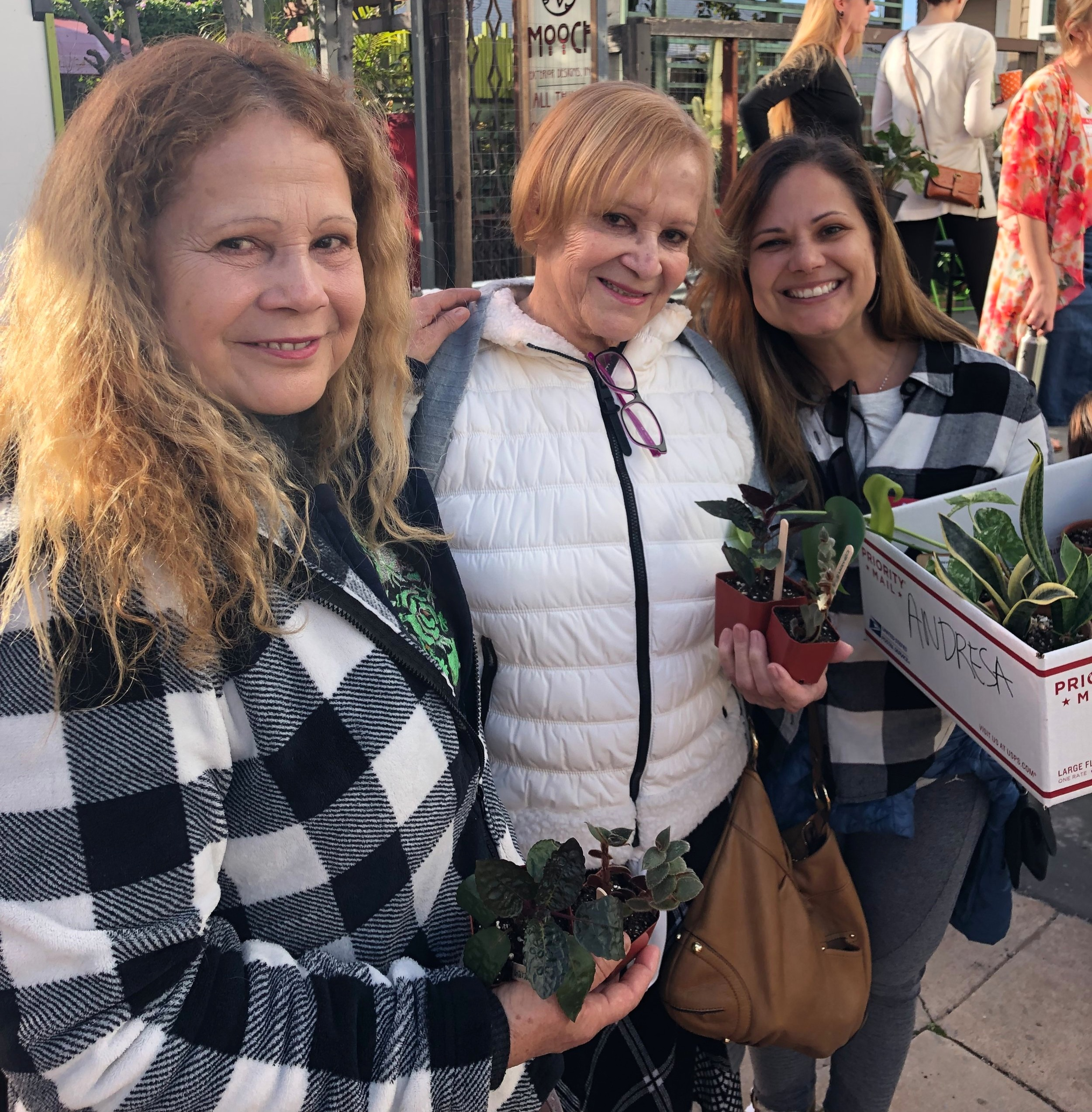 Three generations of plant lovers attended the last swap together. So heartwarming!