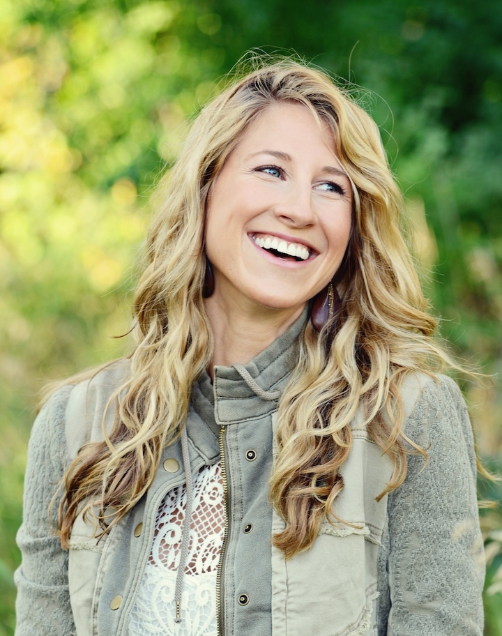 Hey, I'm Jessie! Certified Transformational Coach - I help ambitious women who are stuck playing small and hiding out to show up as the brilliant woman they were born to be in order to make a meaningful and lasting impact in the world with their unique gifts. With over 15 years of experience in positive psychology, integrative health, transformational coaching, spirituality and leadership, I offer a holistic approach that encompasses the whole person.