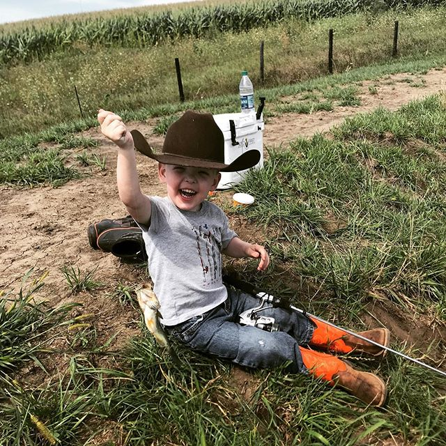 "Someone caught their first fish today 👏🏻👏🏻👏🏻 Is there anything better than a good ole farm pond?!?!?! Also, taking your ""pow-pow"" along when fishing is essential! . . . #meeksofthemountain #inspiringanadventuremovement #outdoorkid"