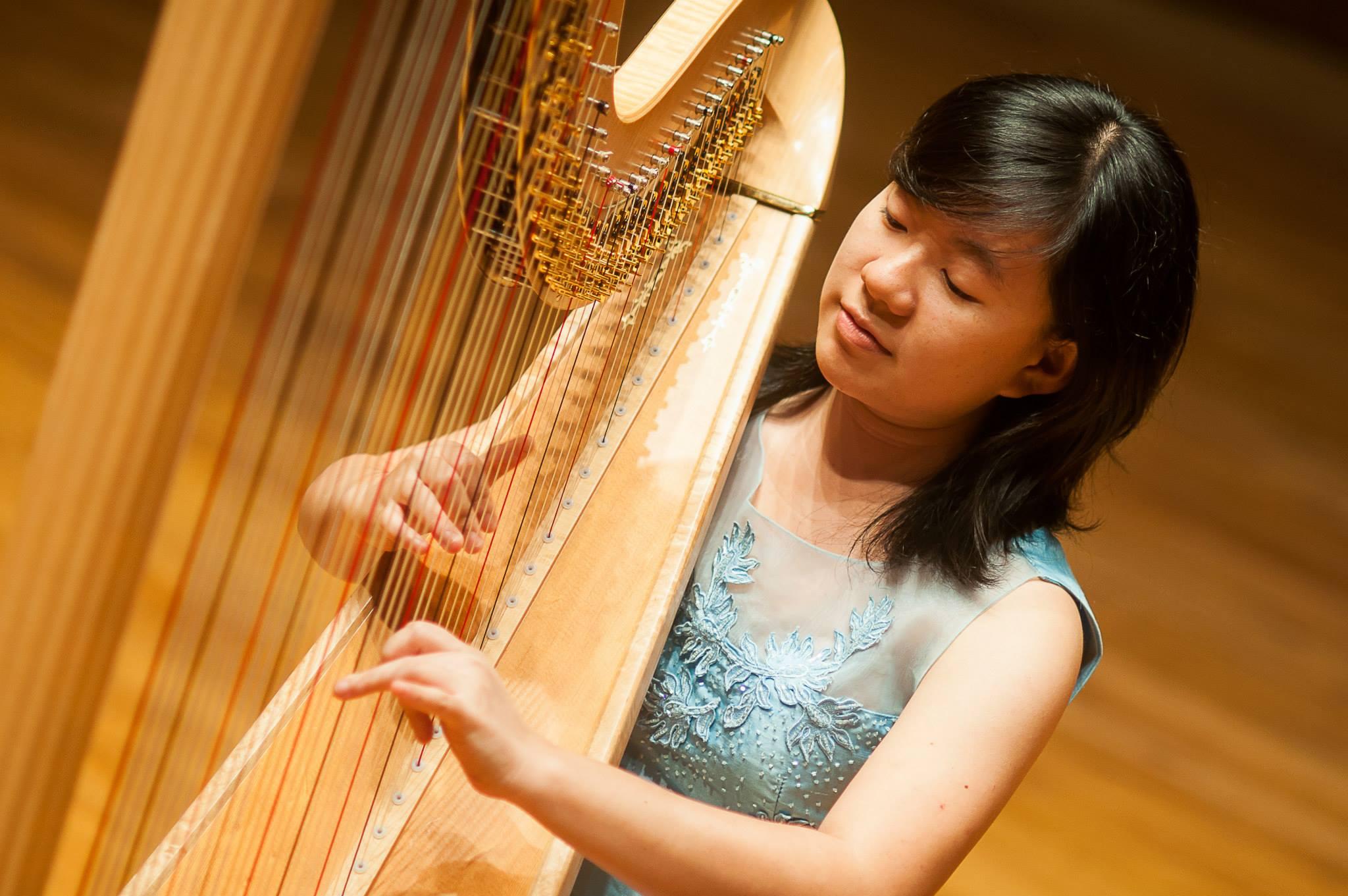 Charity Kiew (Harp)