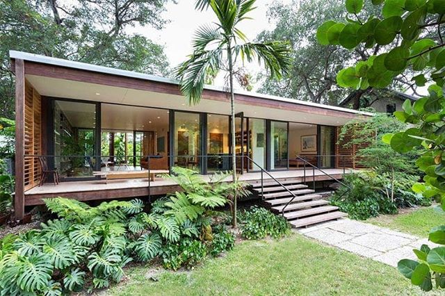 The Brillhart house in Miami, FL by Melissa and Jacob Brillhart. 1,500 square feet of perfection that respects local architectural history and forward- thinking modernist principles. More pics and thoughts on the new collectible-house blog, link in bio. 📷 Claudia Uribe  #tropicalmodernism #modernism #architecture #design #florida #miami #homes #diyhomes #refuge #tropical #dogtrot #floridacracker #simplicity #greenery #plants #nature #collectiblehouse