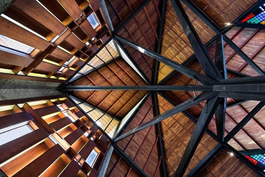 futuna-ceiling.