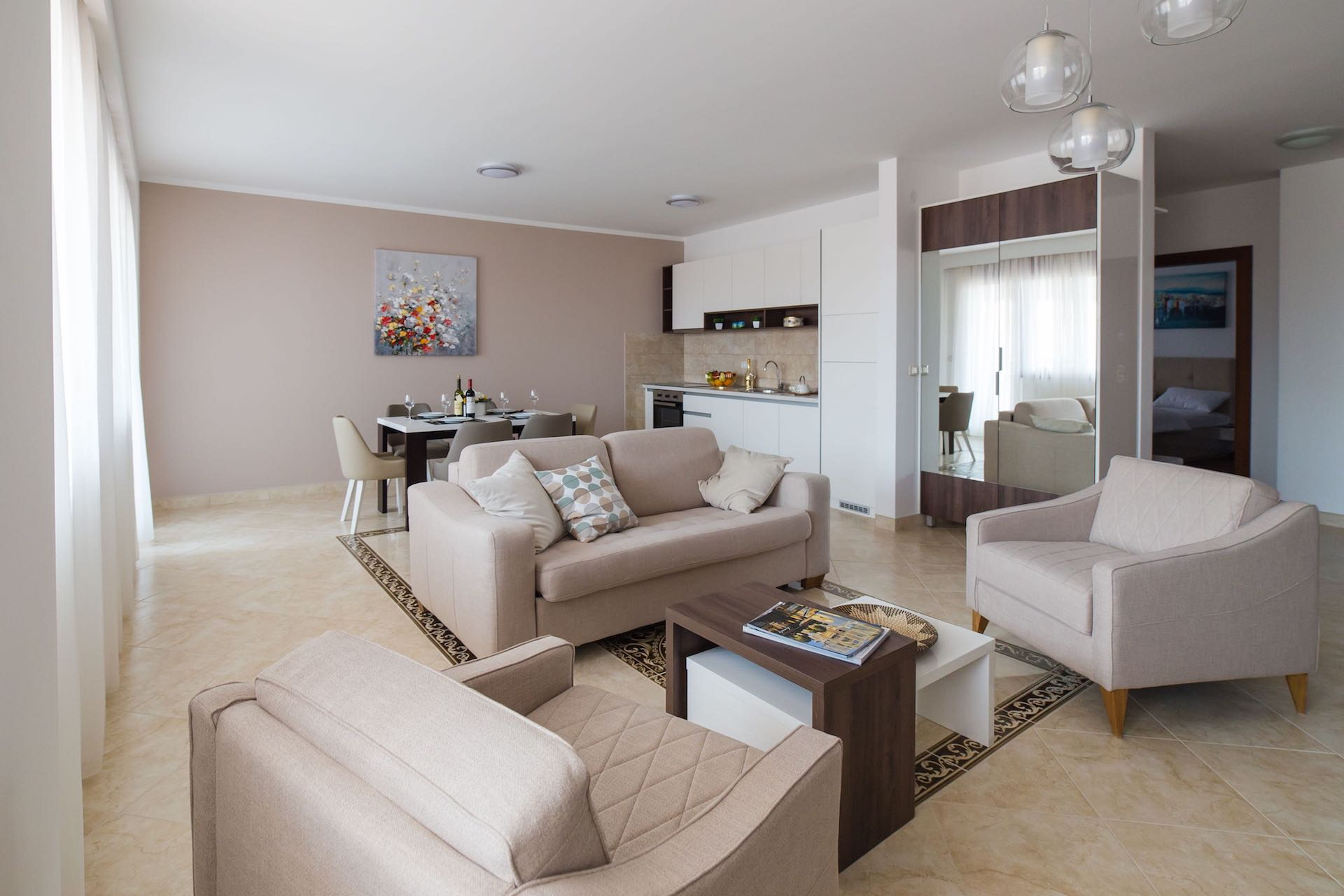 PACKAGE 3 - THREE   BEDROOM APARTMENTS  Features: Garden View, Air Conditioning, Modern Suite, Full Size Bed