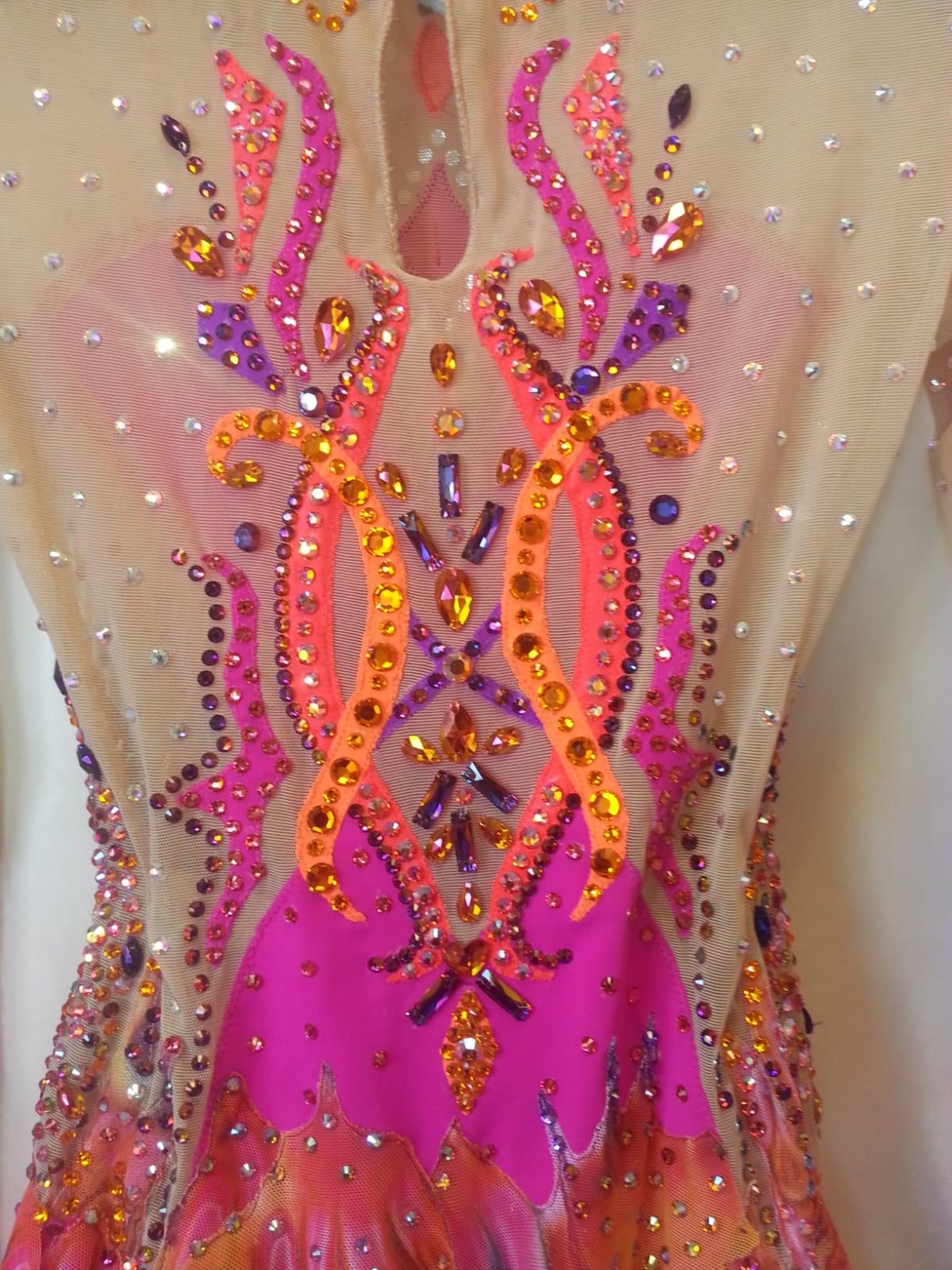 Pink leo detail .jpeg