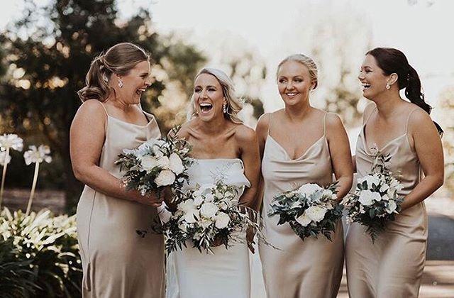 Lizzy & Daniel 🍃  Breathtaking bride ✔️ Beautiful bridesmaids ✔️ Blooming bouquets ✔️ Bravo - let's go! 👏🏼😝