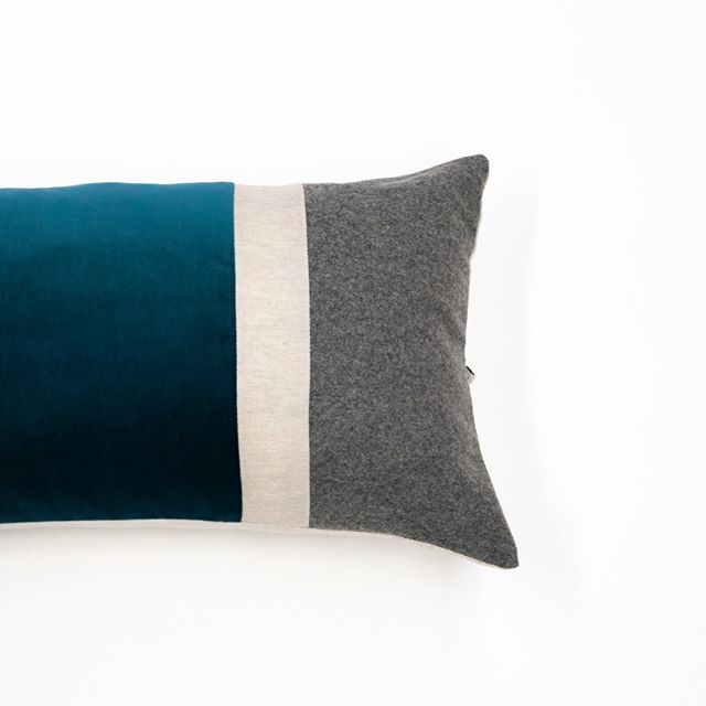 T E D D Y⠀⠀⠀⠀⠀⠀⠀⠀⠀ The perfect addition for that subtle masculine touch.⠀⠀⠀⠀⠀⠀⠀⠀⠀ frenchie knows best. ⠀⠀⠀⠀⠀⠀⠀⠀⠀ .⠀⠀⠀⠀⠀⠀⠀⠀⠀ .⠀⠀⠀⠀⠀⠀⠀⠀⠀ .⠀⠀⠀⠀⠀⠀⠀⠀⠀ #frenchieknowsbest #cushioncollection #australiandesigners #australiandesigned #australianinteriordesign #sydneydesign #supportaustralianmade #texturesandtones #sydneyluxury #homedesigninspiration #sydneyhomewares  #linencushions #velvetcushions #luxliving #homestyledecor #mallard #masculineinteriors #linenlove #manstyles