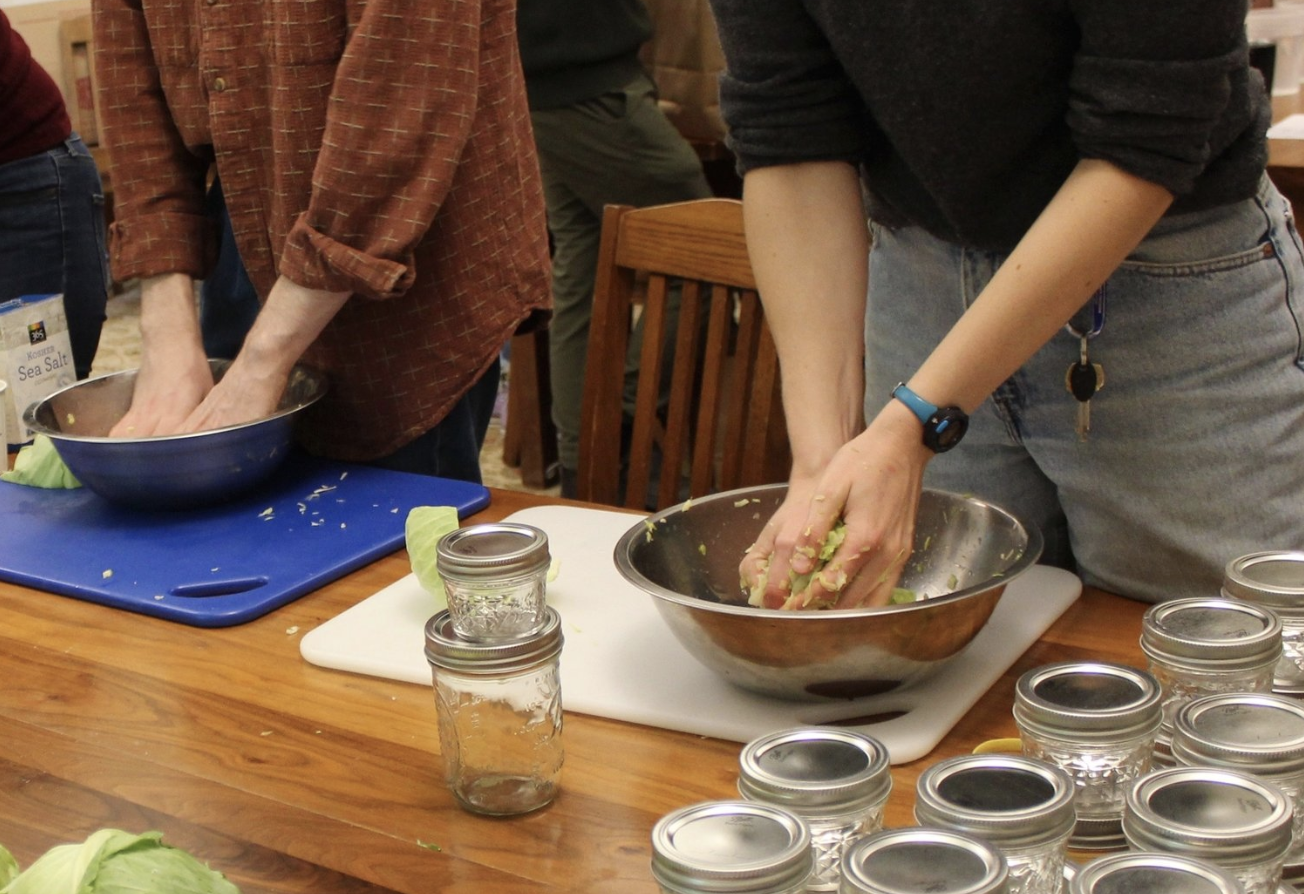 From Sourdough to Kimchi, Students Explore the World of Fermentation - Over four three-hour sessions this fall, the Fermentation Intensive gave students a hands-on introduction to the process that's behind sourdough, kimchi, beer, and much more…