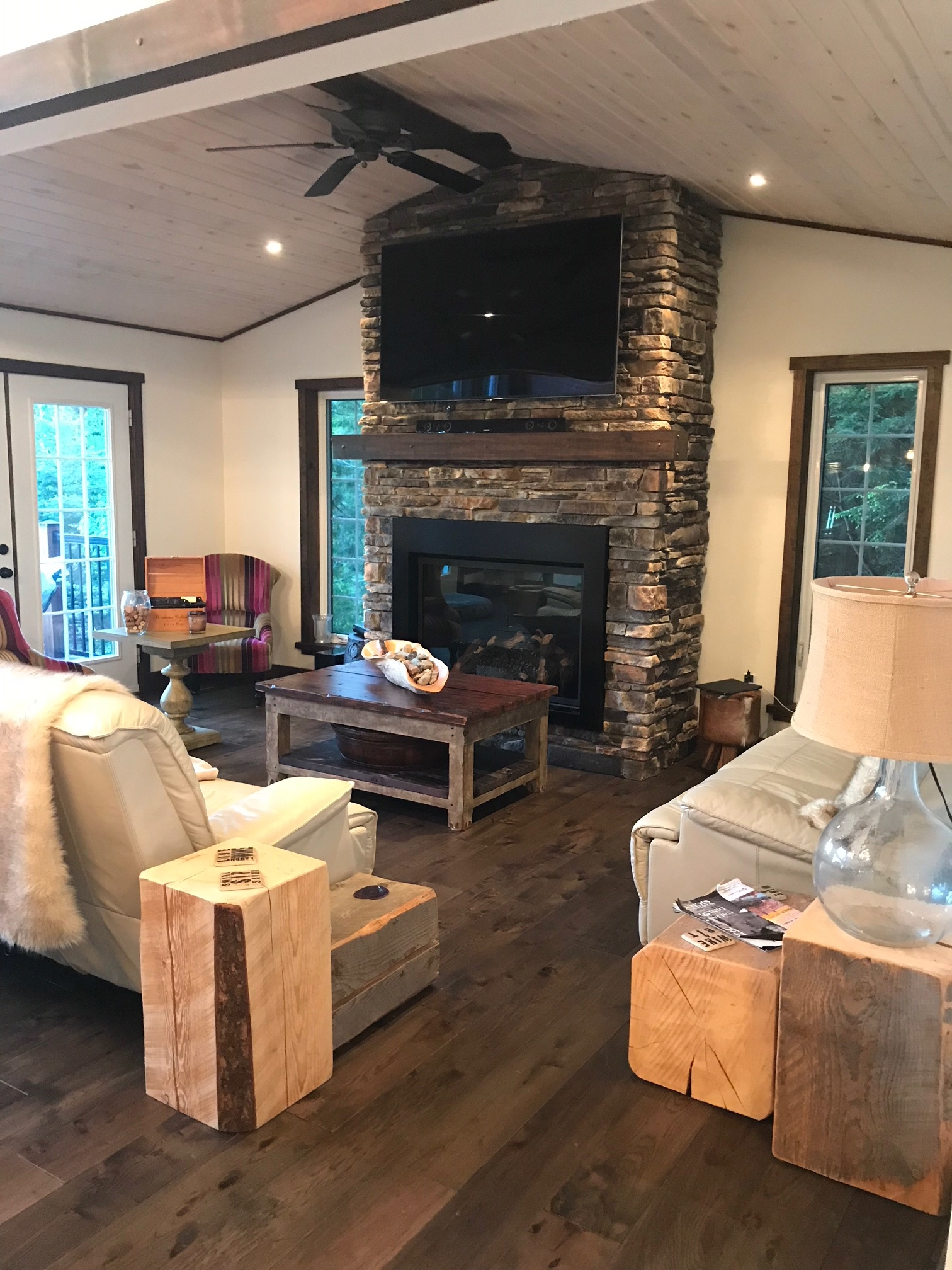 Custom Fireplace in Haliburton Cottage LIvingroom