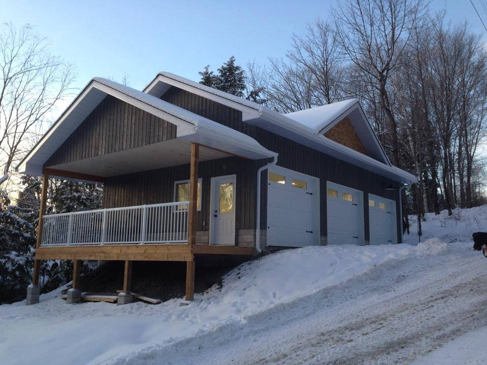 Custom 3 Car Garage in the Haliburton Highlands